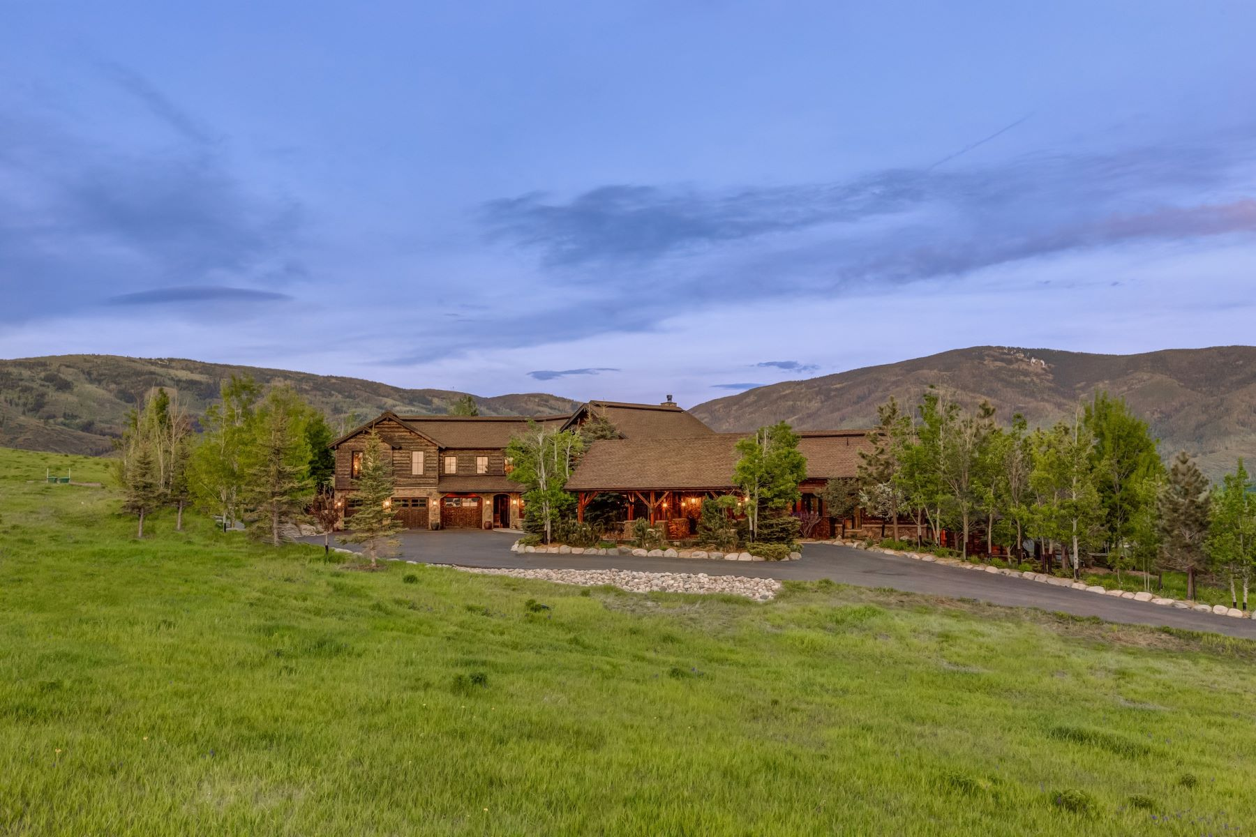 Maison unifamiliale pour l Vente à Lake Catamount Beautiful High-End Design Lake Catamount Home 32120 County Road 14C Steamboat Springs, Colorado, 80487 États-Unis
