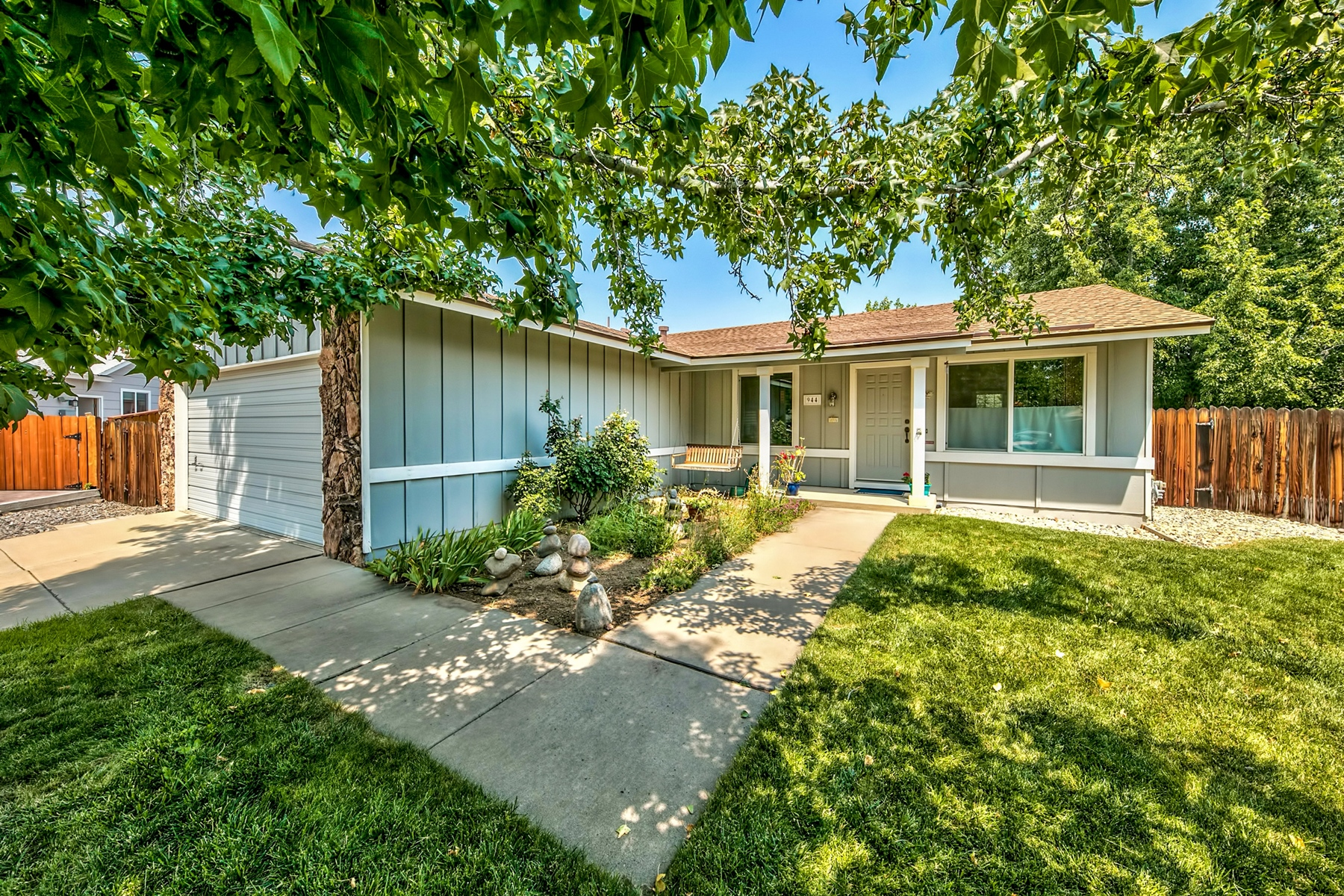 Single Family Home for Active at 944 Supreme Court, Sparks Nevada, 89434 944 Supreme Court Sparks, Nevada 89434 United States