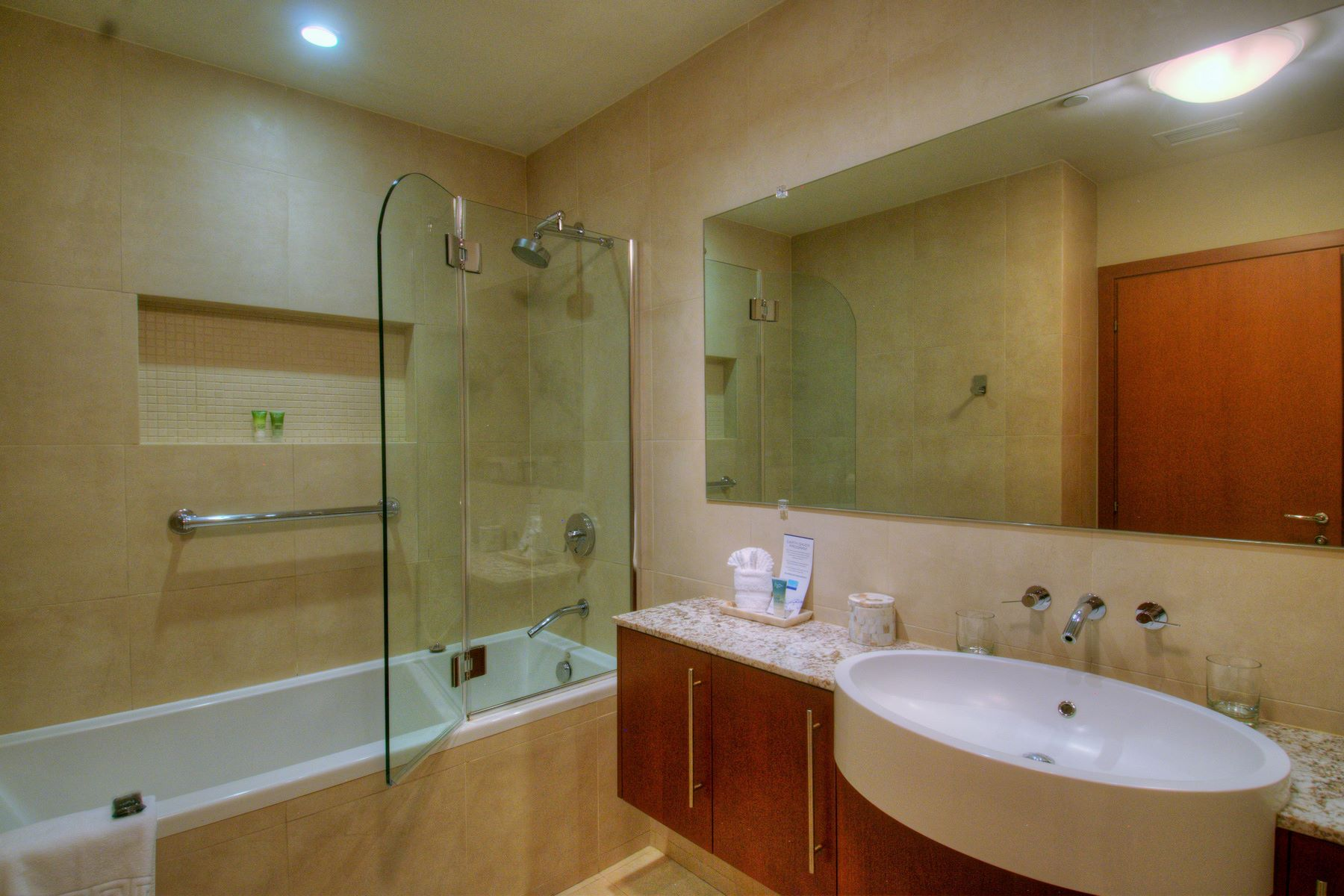 Additional photo for property listing at Blue Haven Resort - Suite 105.106 Blue Haven Resort, Leeward, 普罗维登夏 特克斯和凯科斯群岛