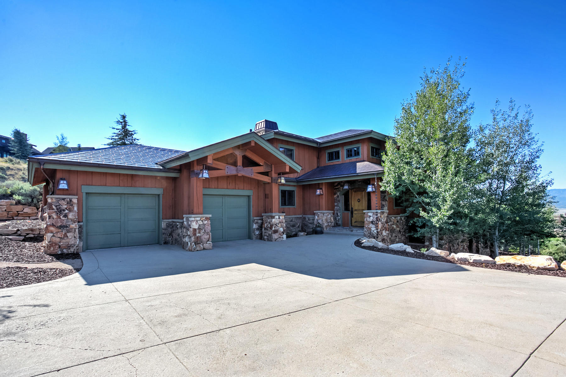 واحد منزل الأسرة للـ Sale في Charming European Craftsman 8080 N West Hills Trl Park City, Utah 84098 United States