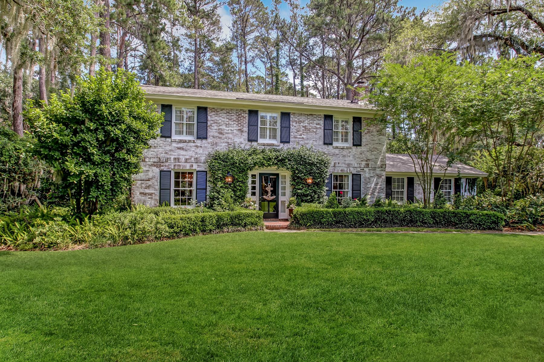 Частный односемейный дом для того Продажа на 721 Bradley Point Road 712 Bradley Point Road Savannah, Джорджия, 31410 Соединенные Штаты