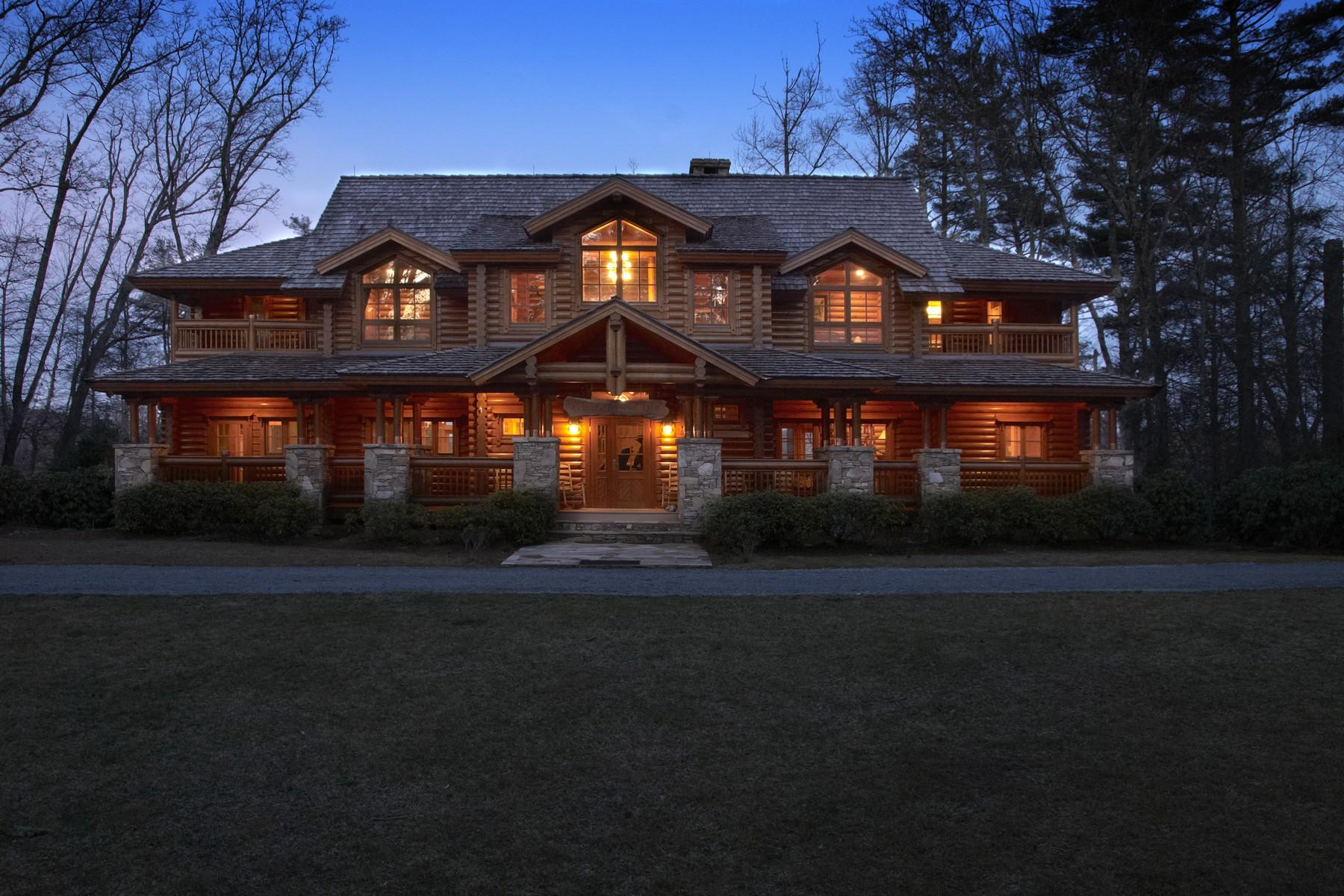 Maison unifamiliale pour l Vente à Big Pine Lodge 434 Lake Sequoyah Drive, Highlands, Carolina Du Nord, 28741 États-Unis