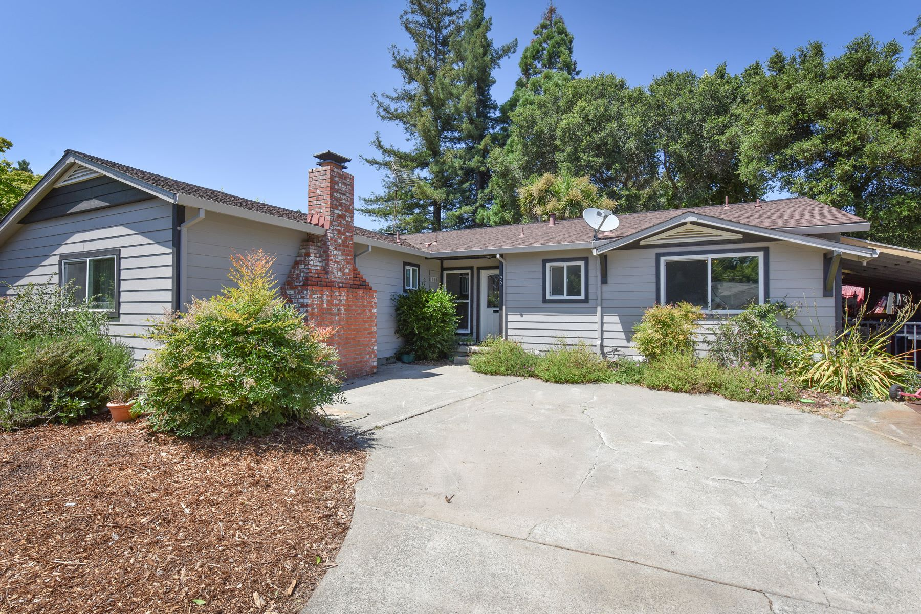 Single Family Home for Sale at An Inviting Home with Elegant Upgrades 76 Harvard Lane Napa, California 94558 United States