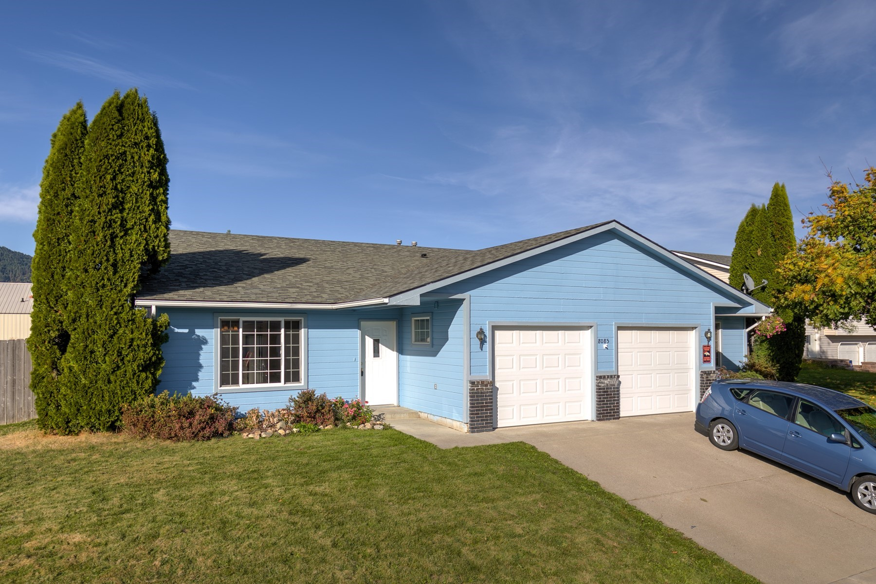 Single Family Homes for Active at Duplex in Rathdrum 8085 W Colorado St Rathdrum, Idaho 83858 United States
