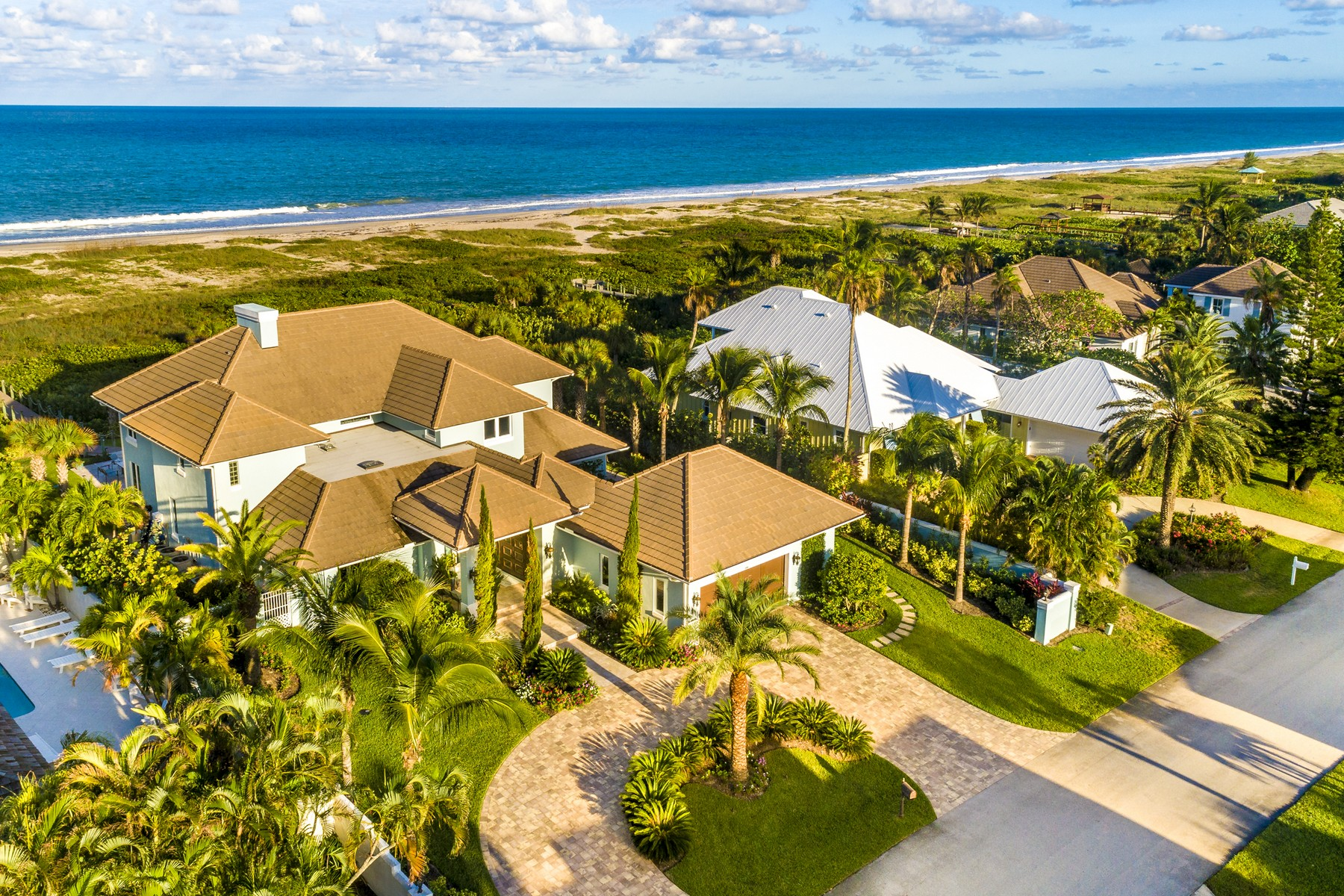 Single Family Homes for Sale at Stunning Oceanfront Estate 1240 Olde Doubloon Drive Vero Beach, Florida 32963 United States