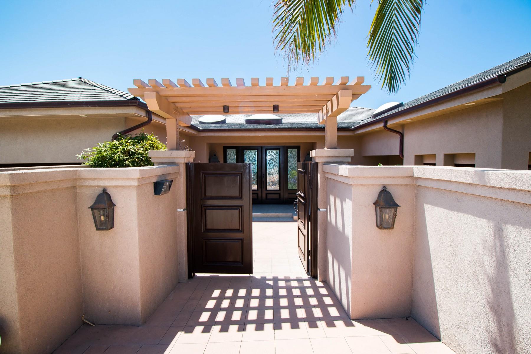 Moradia para Venda às 8641 Ruette Monte Carlo La Jolla, Califórnia, 92037 Estados Unidos