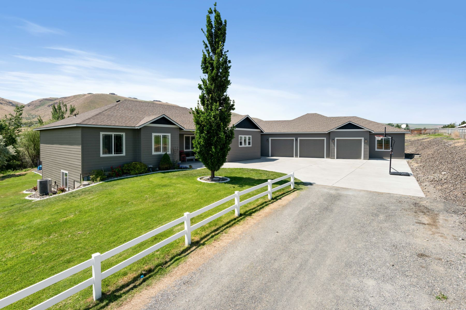Single Family Homes for Sale at Wow! Acreage, Horse Property, In Law Apartment, POOL! 27808 S 930 PRSE Kennewick, Washington 99338 United States