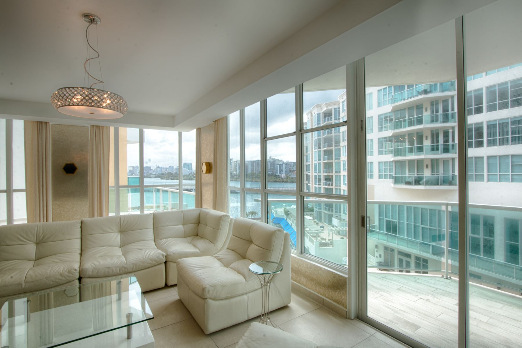 Additional photo for property listing at Elegant 6th Floor Rental with Private Pool 25 Munoz Rivera Avenue apt 601 San Juan, Puerto Rico 00901 푸에르토리코