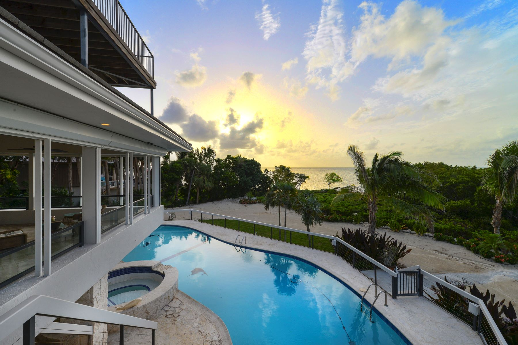 Single Family Homes for Active at 19 Sunrise Cay Drive, Key Largo, FL 19 Sunrise Cay Drive Key Largo, Florida 33037 United States