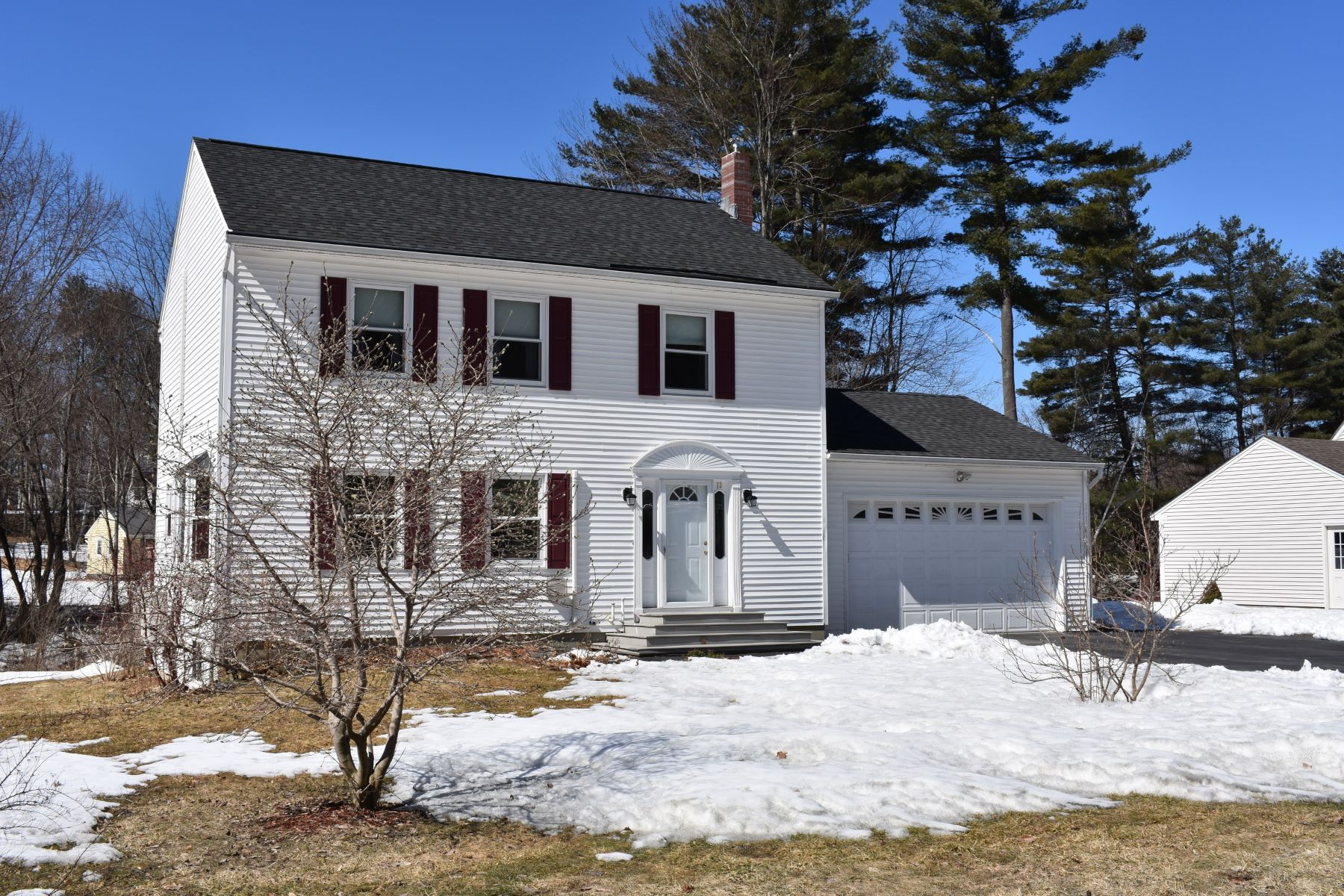 Single Family Home for Sale at 13 Cottage Circle, Lebanon 13 Cottage Cir Lebanon, New Hampshire 03784 United States
