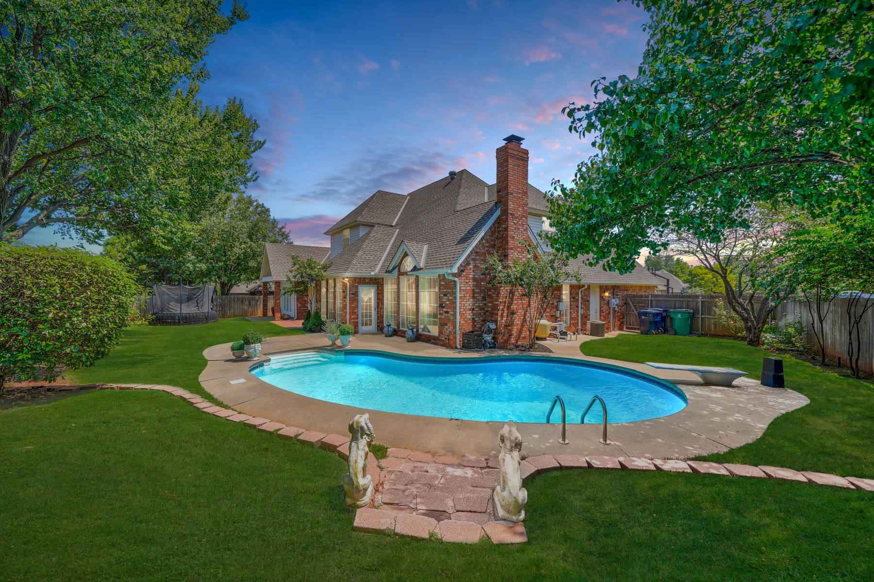 Single Family Homes for Active at Unique and Unexpected Home with a Pool 12009 Rosemeade Court Oklahoma City, Oklahoma 73162 United States