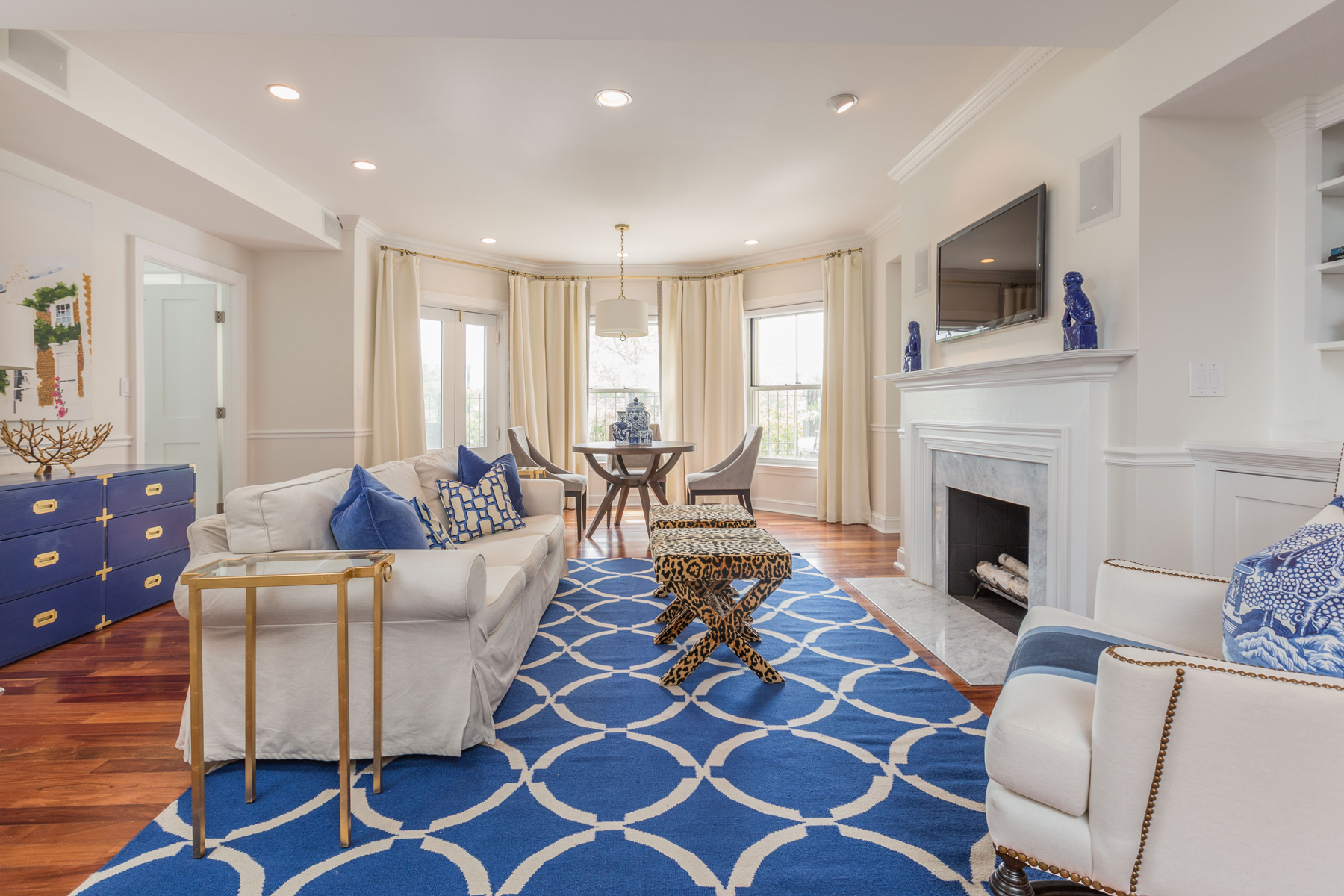 Condominium for Sale at Stunningly Renovated Two Bedroom Two Bath At The Full Service Somerset 416 Commonwealth Avenue Unit 220 Boston, Massachusetts 02215 United States