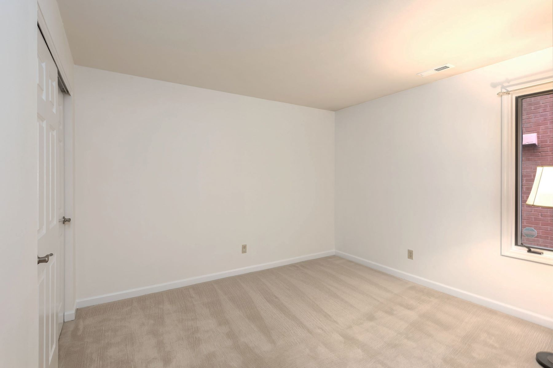Additional photo for property listing at Laclede Ave 4540 Laclede Ave # 107 St. Louis, Missouri 63108 United States
