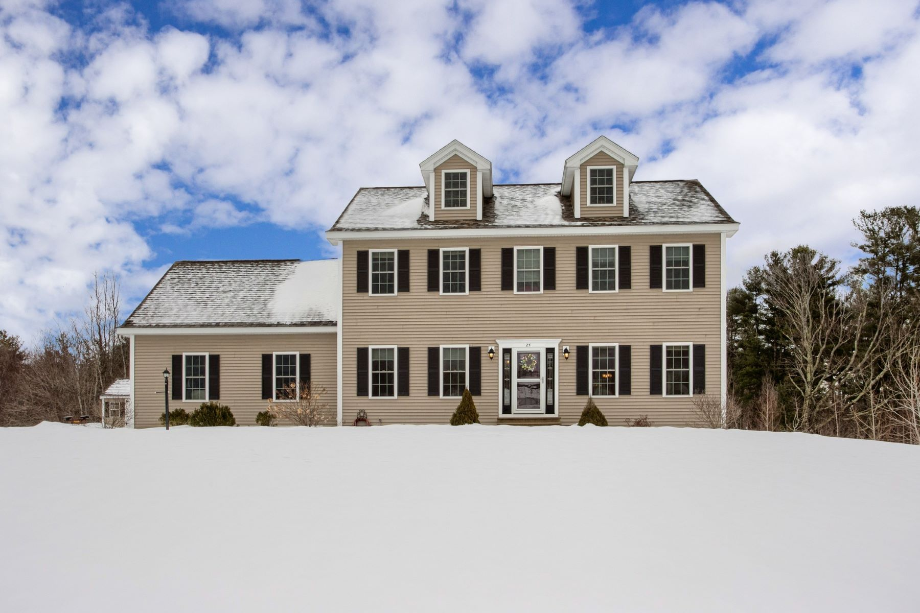 Single Family Home for Active at 25 Runaway Brook Road, Lancaster 25 Runaway Brook Rd Lancaster, Massachusetts 01523 United States