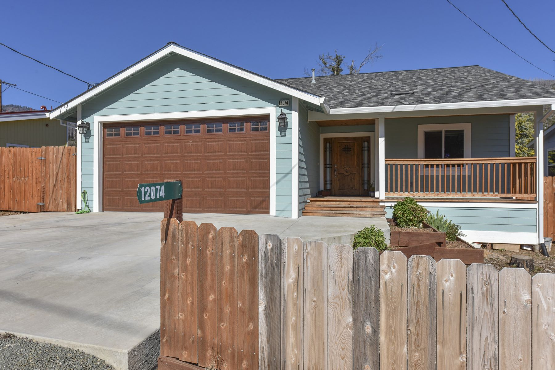 Single Family Homes for Active at Beautiful Middletown Home 12074 Mead Road Middletown, California 95461 United States