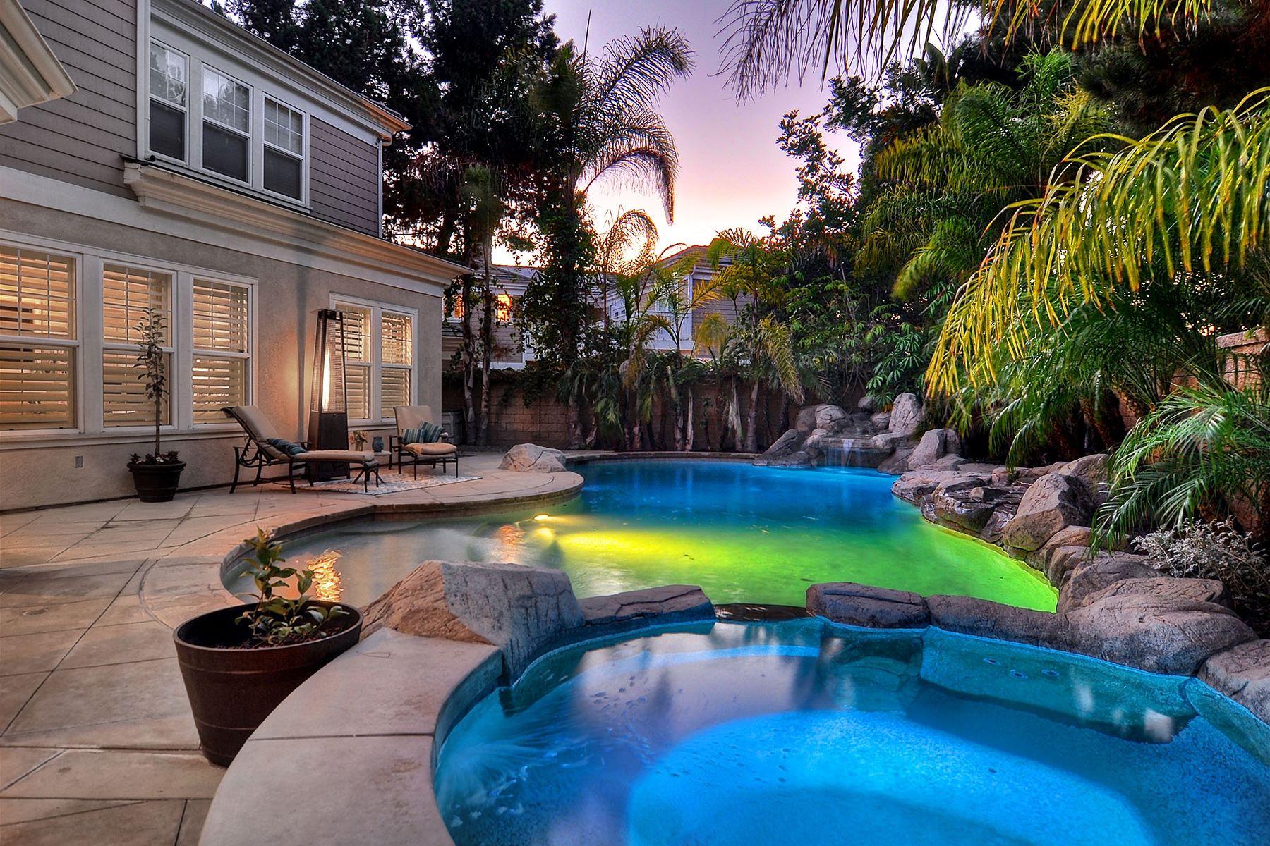 Частный односемейный дом для того Продажа на 17280 Hampton Huntington Beach, Калифорния, 92649 Соединенные Штаты