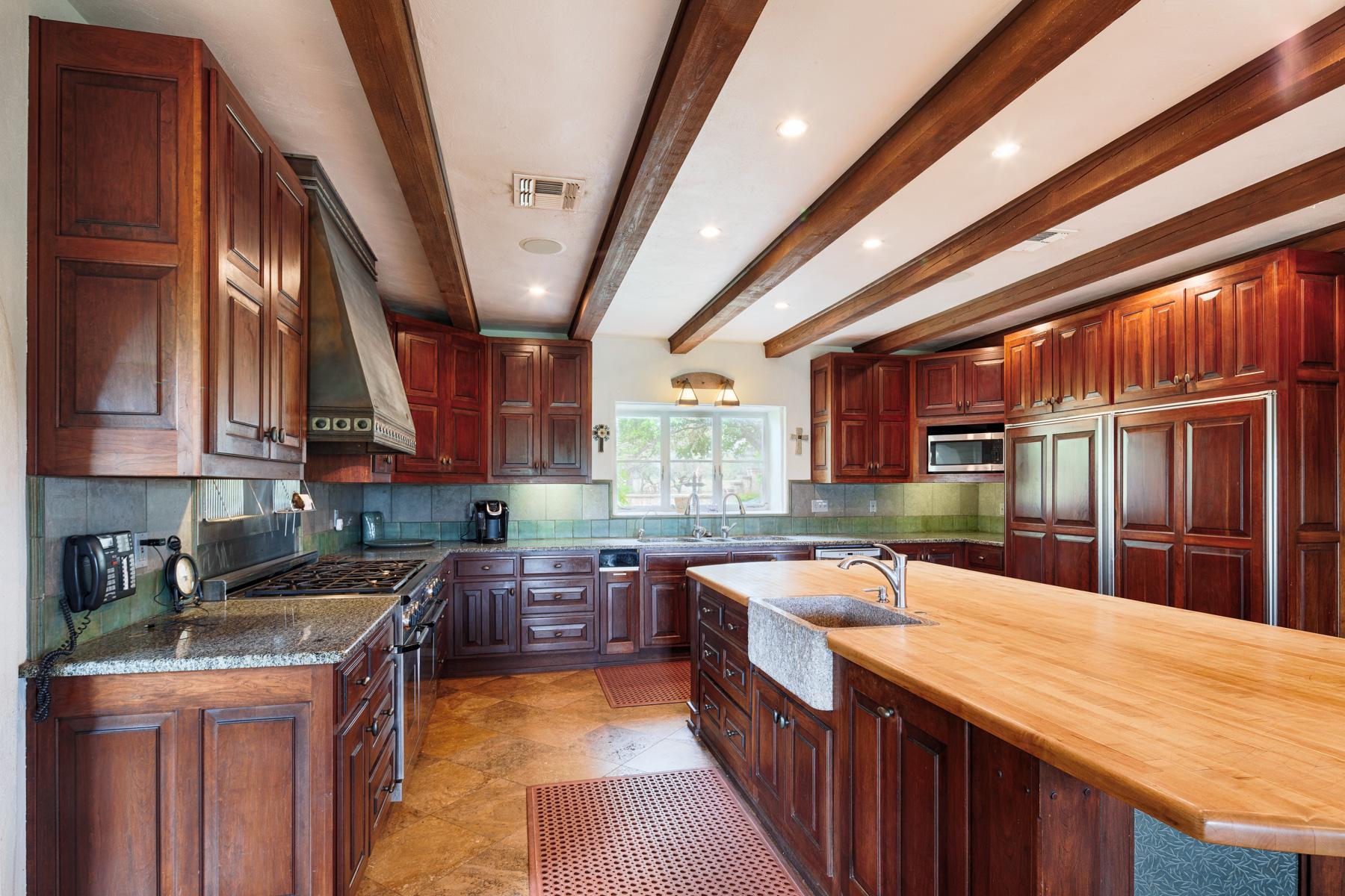 Additional photo for property listing at Rio Ranchito 127 100 Shiner Bock Lane, Hunt, 텍사스 78024 미국