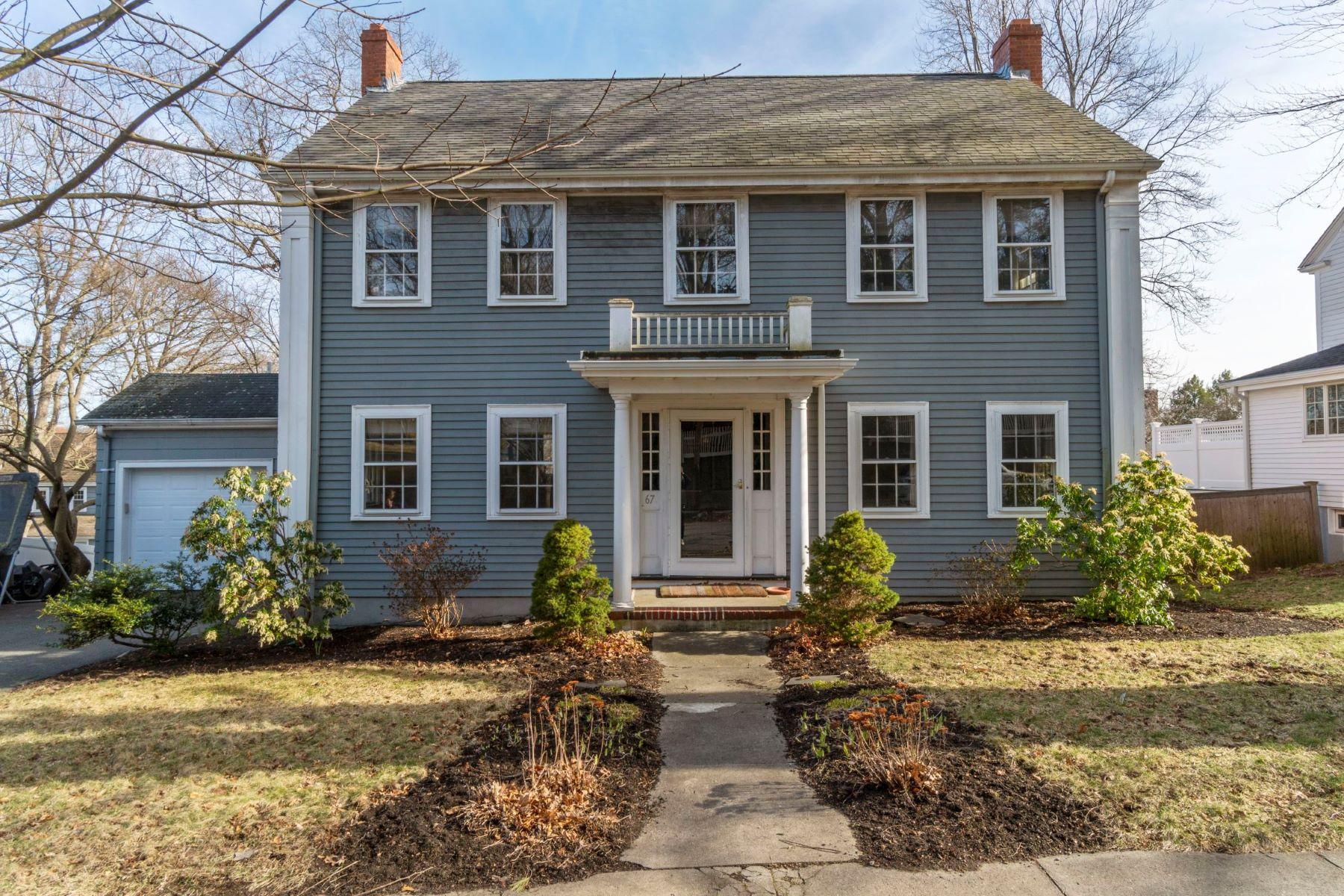 Single Family Homes 为 销售 在 67 Standish Road 67 Standish Rd 米尔顿, 马萨诸塞州 02186 美国