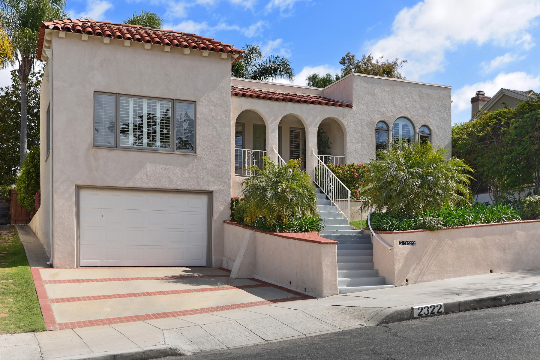 Single Family Home for Sale at 2322 Whitman Street Mission Hills, San Diego, California, 92103 United States