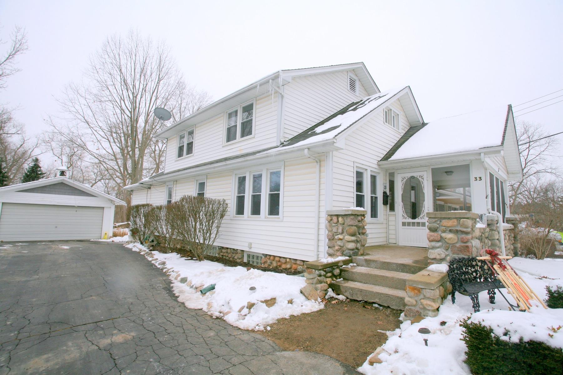 Single Family Homes para Venda às Village Of Clarkston 33 Miller Rd, Other Areas, Michigan 48345 Estados Unidos