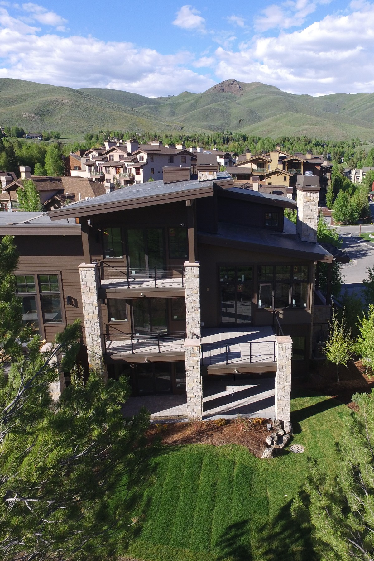 Additional photo for property listing at New Paired Townhouses 117 Senabi Lane Sun Valley, Idaho 83353 Estados Unidos