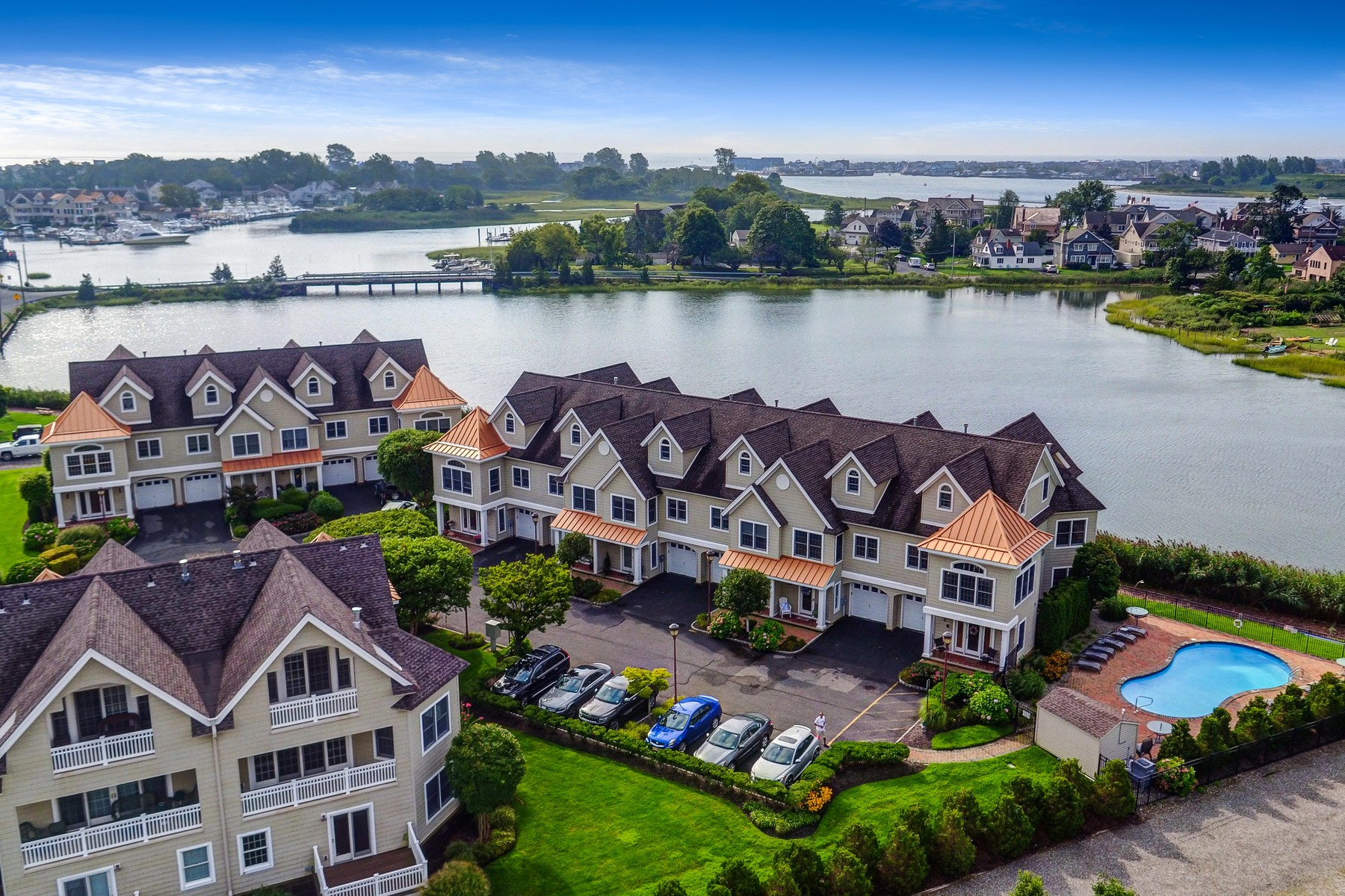 Townhouse for Sale at Drawbridge West 8 Waters Edge Brielle, New Jersey 08730 United States