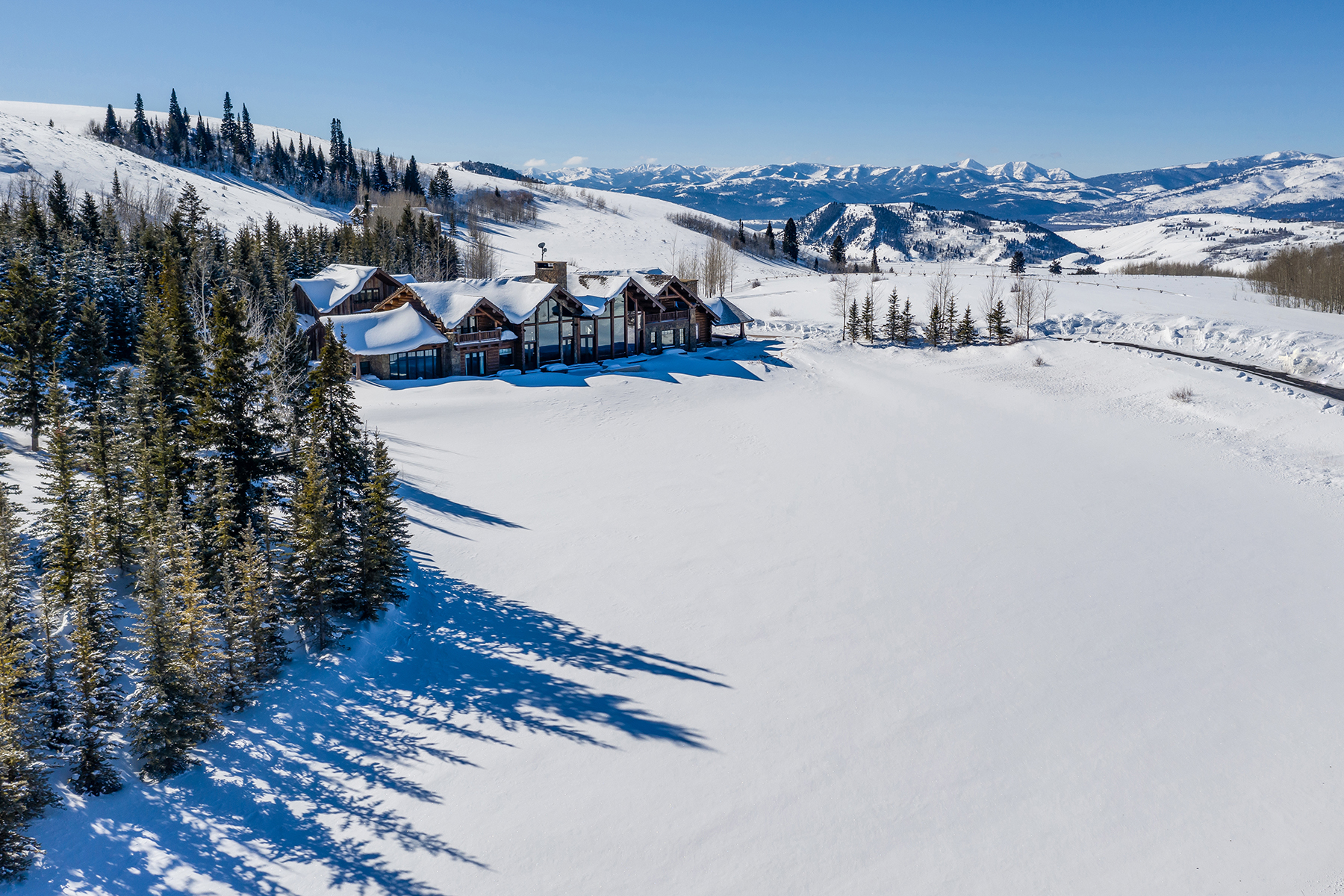 Single Family Homes por un Venta en Riva Ridge Retreat, Residence of Western Grandeur 3000 Riva Ridge Road Jackson, Wyoming 83001 Estados Unidos