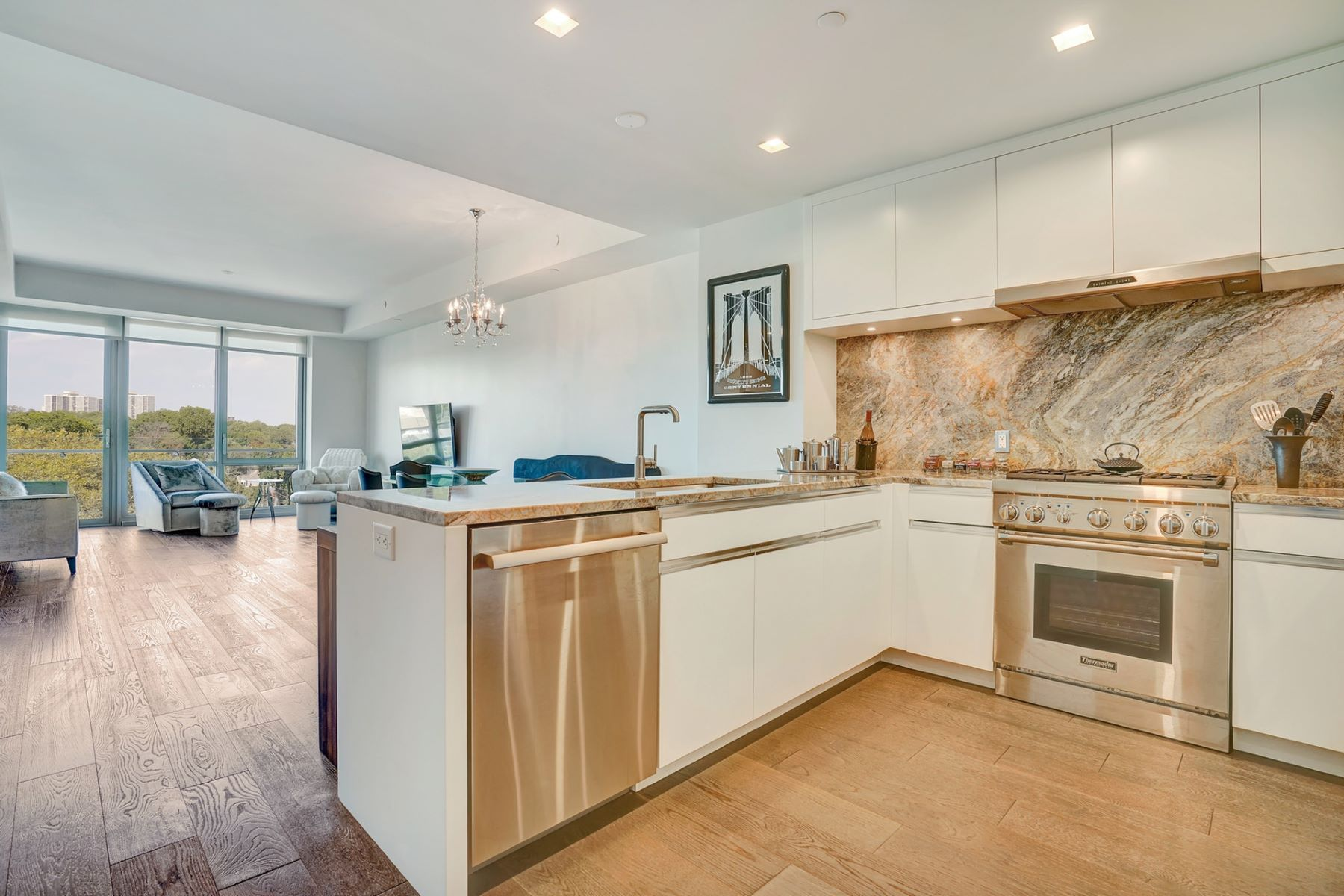 Condominiums 용 매매 에 One Park 320 Adolphus Ave #702, Cliffside Park, 뉴저지 07010 미국