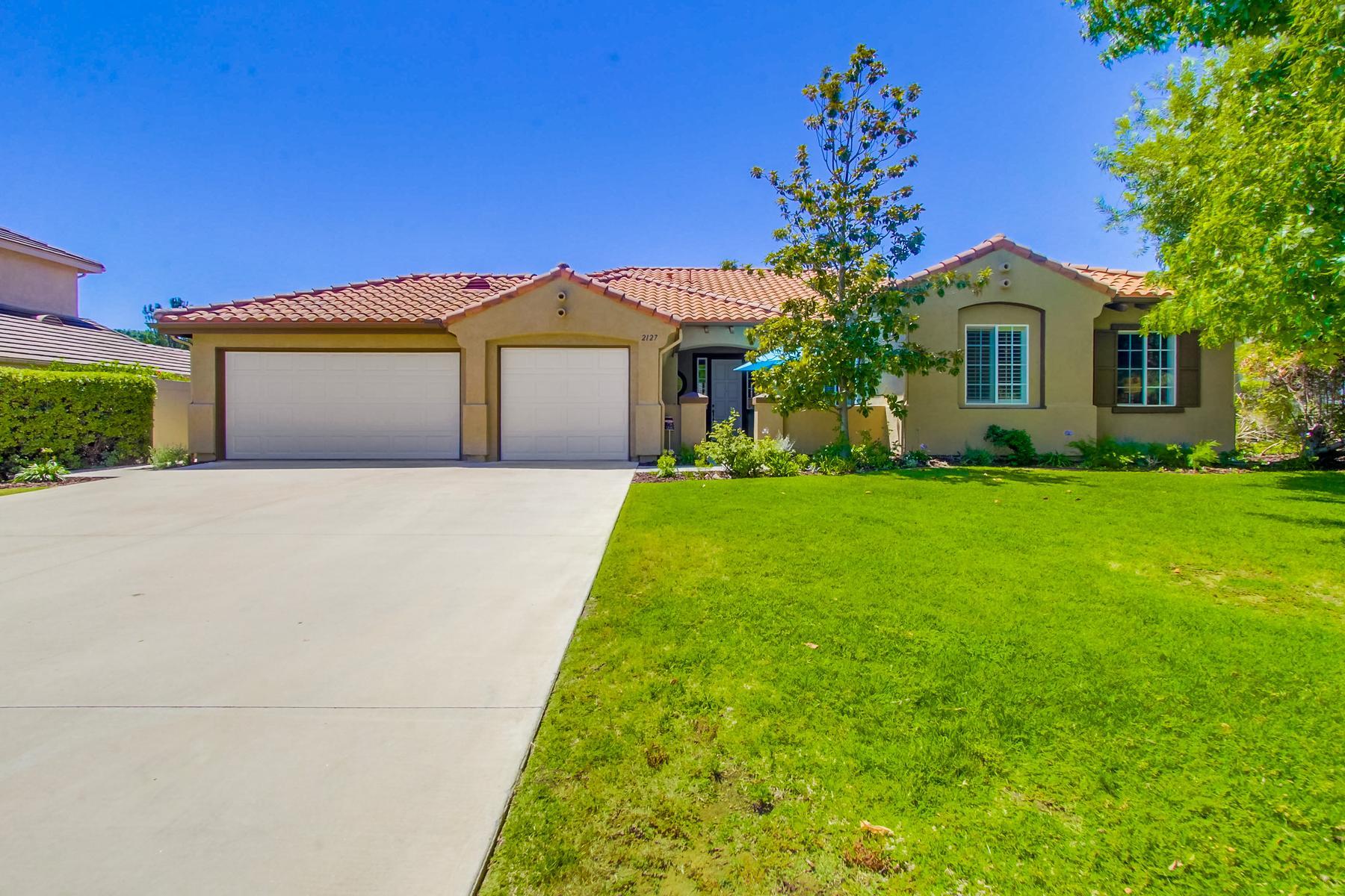 獨棟家庭住宅 為 出售 在 2127 Stone Castle Fallbrook, 加利福尼亞州, 92028 美國