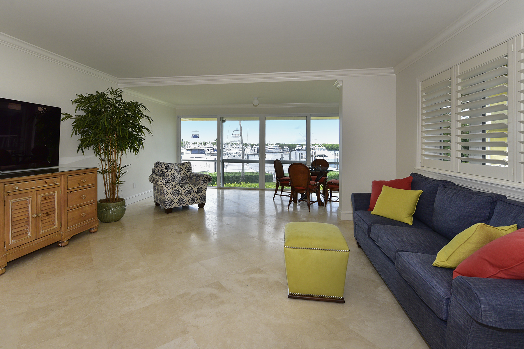 Additional photo for property listing at Waterfront Condominium at Ocean Reef 18 Marina Drive, Unit A Key Largo, Φλοριντα 33037 Ηνωμενεσ Πολιτειεσ