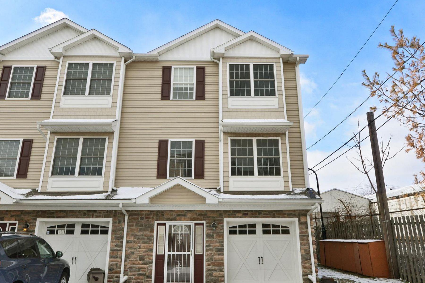 Maison accolée pour l à louer à Gorgeous & Modern Triplex 26 Columbus Circle Bayonne, New Jersey, 07002 États-Unis