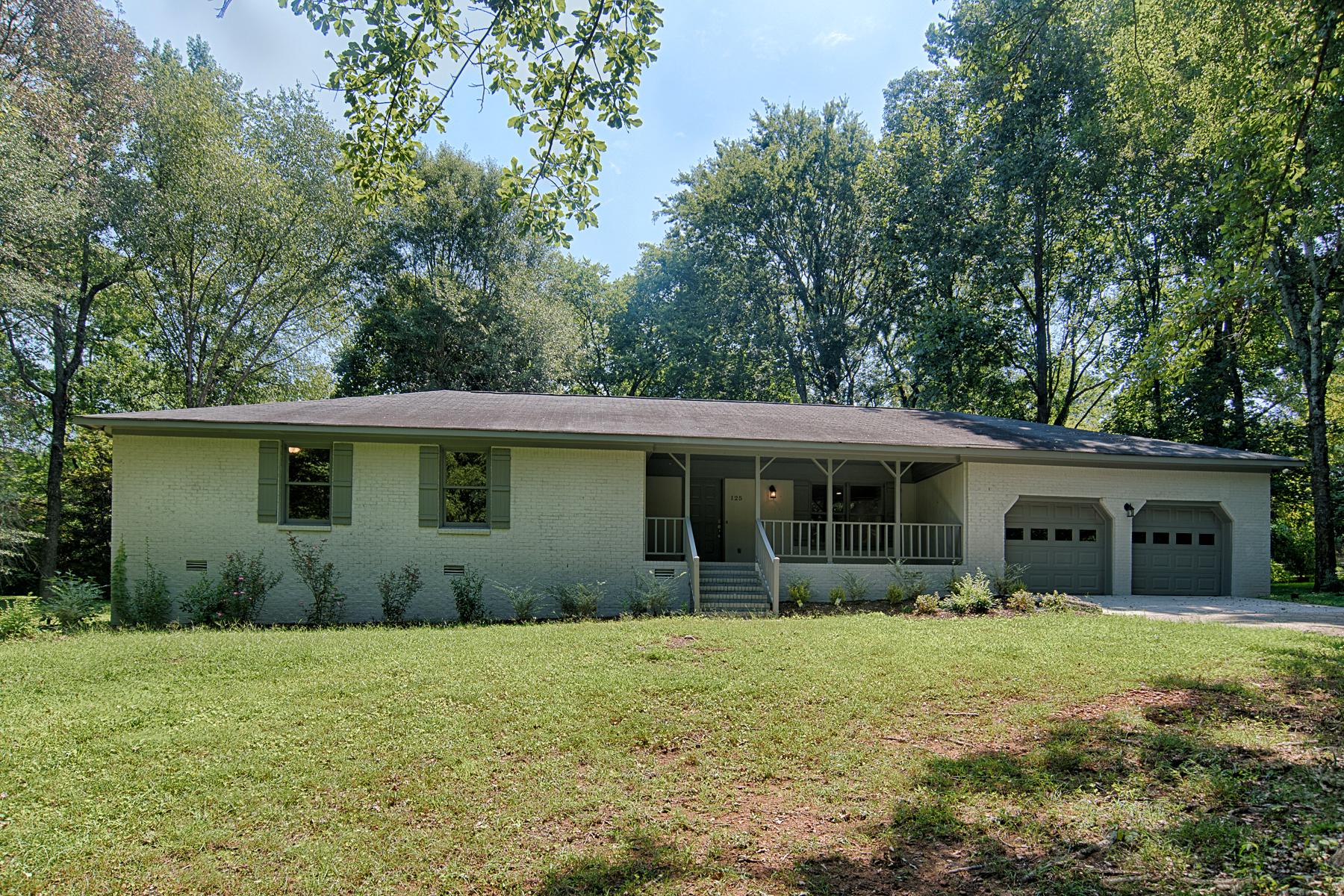 Single Family Homes para Venda às 125 RACHEL DRIVE Huntsville, Alabama 35806 Estados Unidos