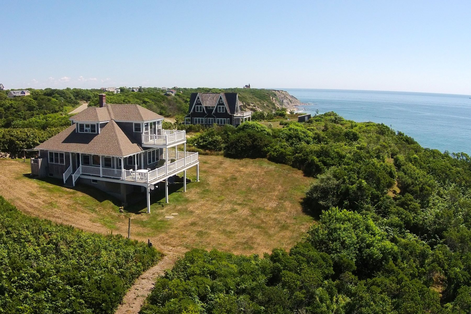Single Family Home for Sale at Mohegan Bluff Drama 800 Mohegan Trail Block Island, Rhode Island, 02807 United States