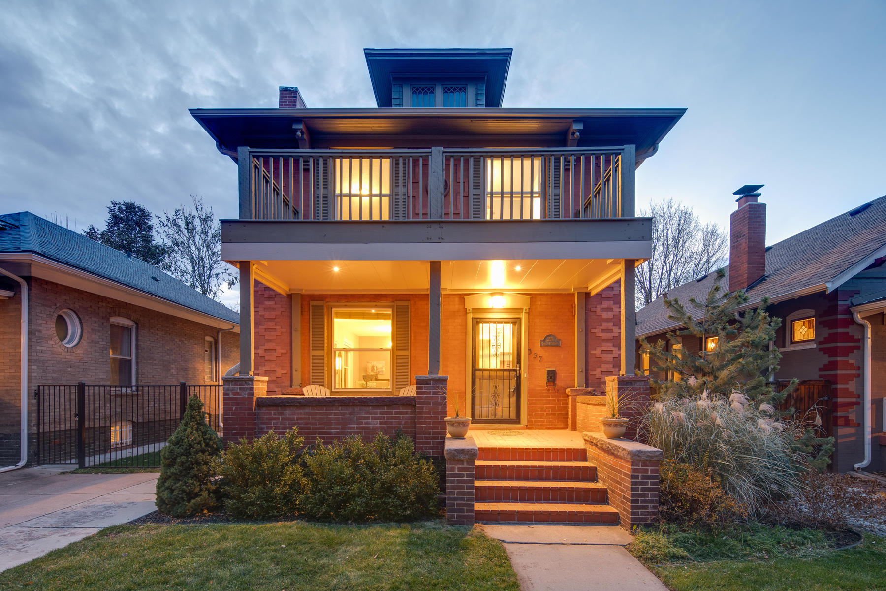 Property for Active at Charming Denver Square With Large Windows 357 S Downing Street Denver, Colorado 80209 United States