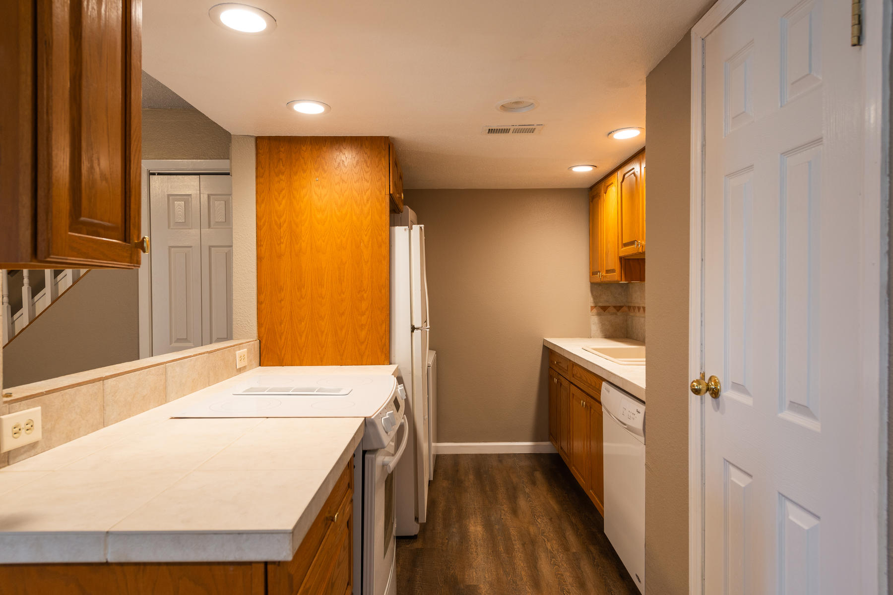 Additional photo for property listing at Wow! Incredible Price! 9195 E Lehigh Ave #154 Denver, Colorado 80237 United States