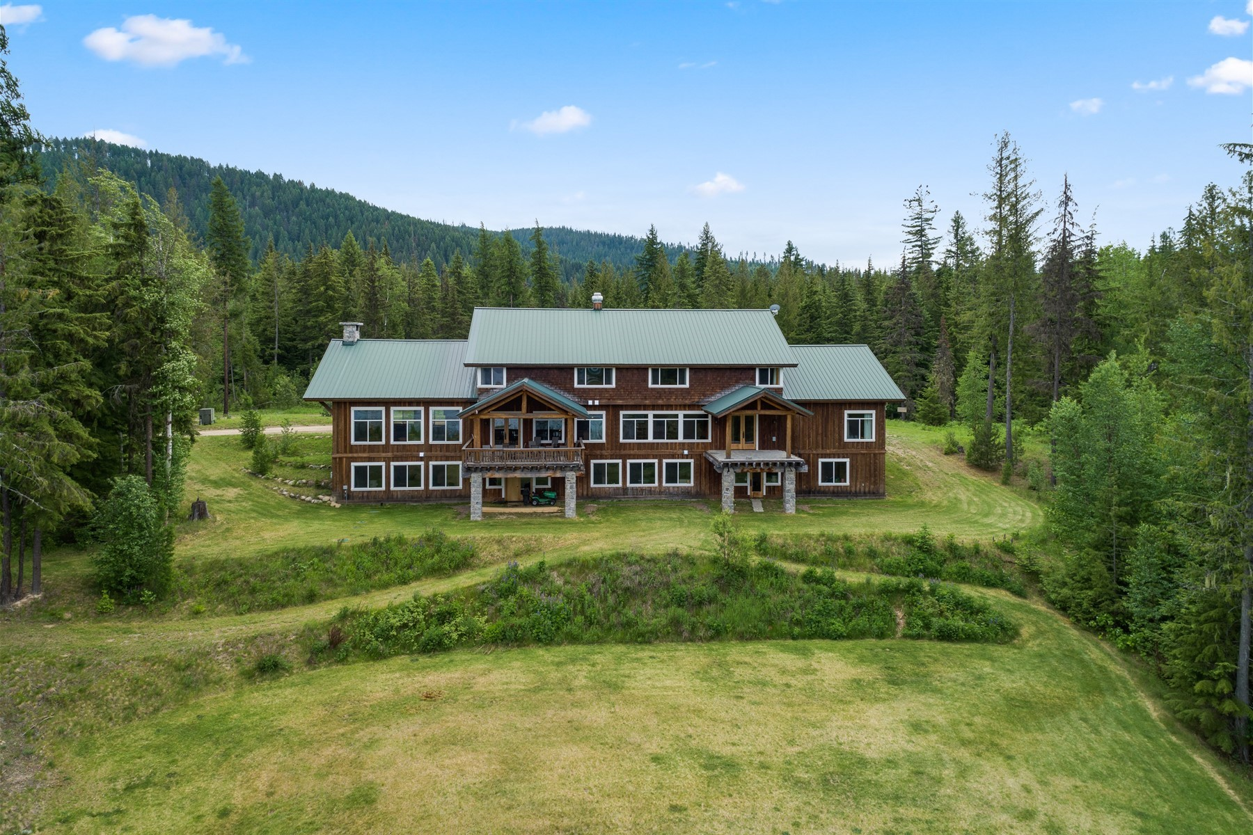 for Sale at Sundance Mountain Lodge Estate 551 Bushwood Dr Coolin, Idaho 83821 United States