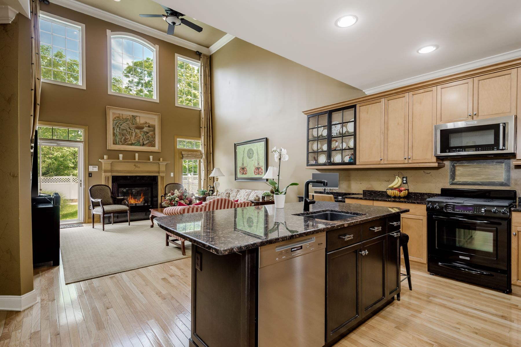 Additional photo for property listing at Live Well and Carefree in Lawrenceville's Ventana 40 Schindler Court, Lawrenceville, New Jersey 08648 United States