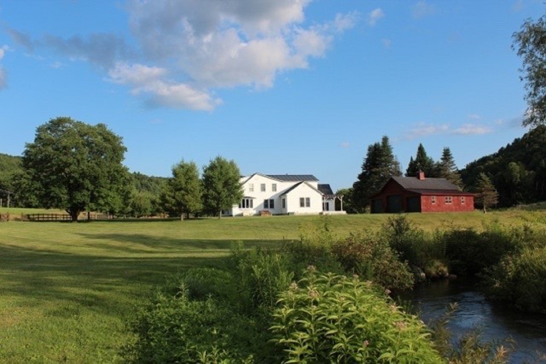 Single Family Home for Sale at Spacious Cape Style Home 1377 Pomfret Road Pomfret, Vermont, 05053 United States