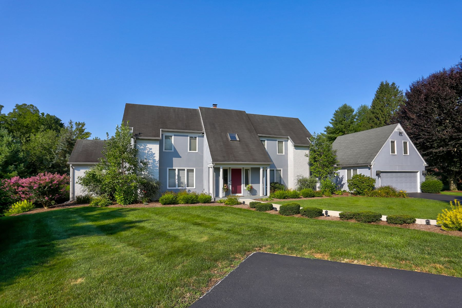 Single Family Home for Sale at 548 Northlawn Court Lancaster, Pennsylvania 17604 United States