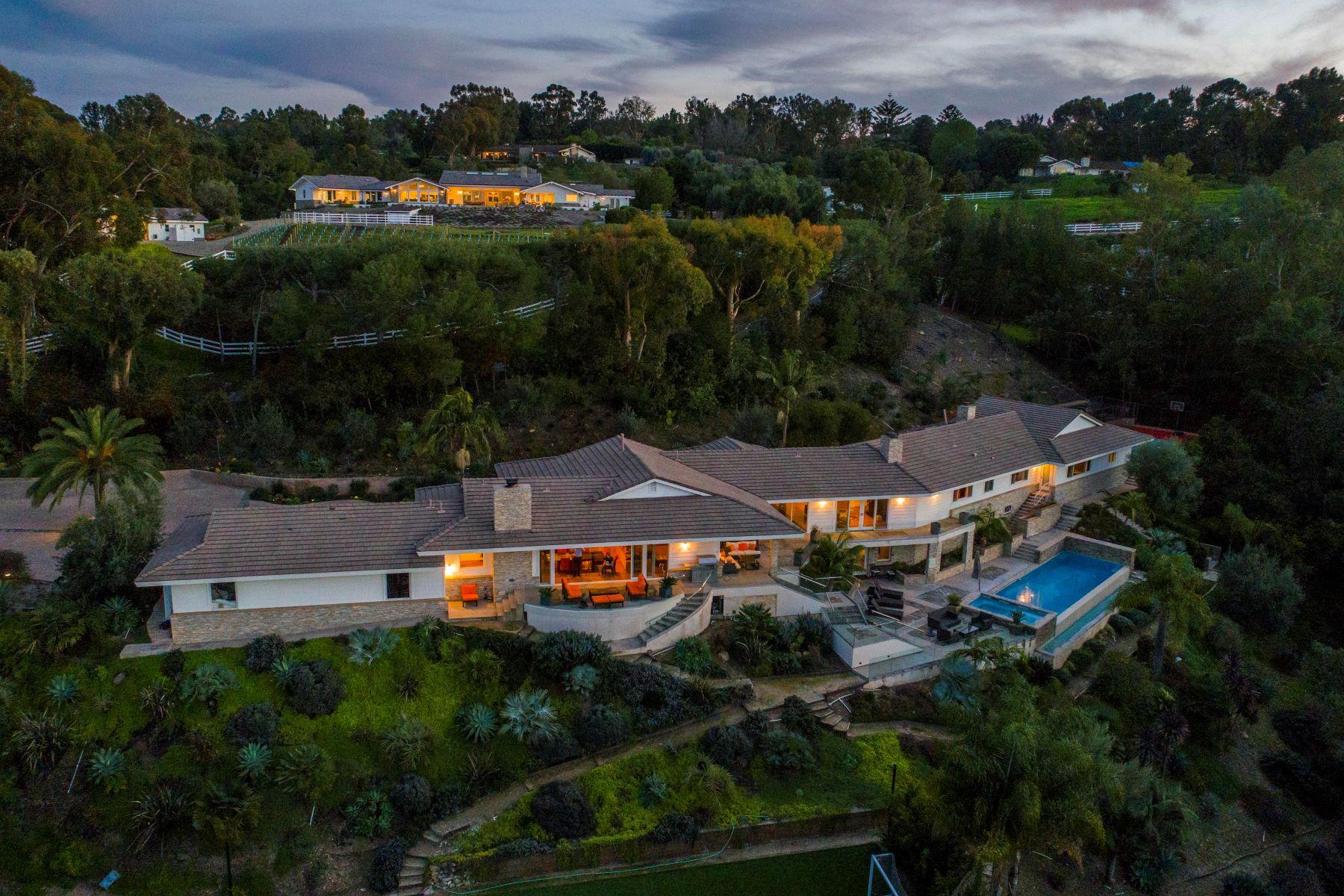 Maison unifamiliale pour l Vente à 2 Pine Tree Ln, Rolling Hills 90274 2 Pine Tree Lane, Rolling Hills, Californie, 90274 États-Unis