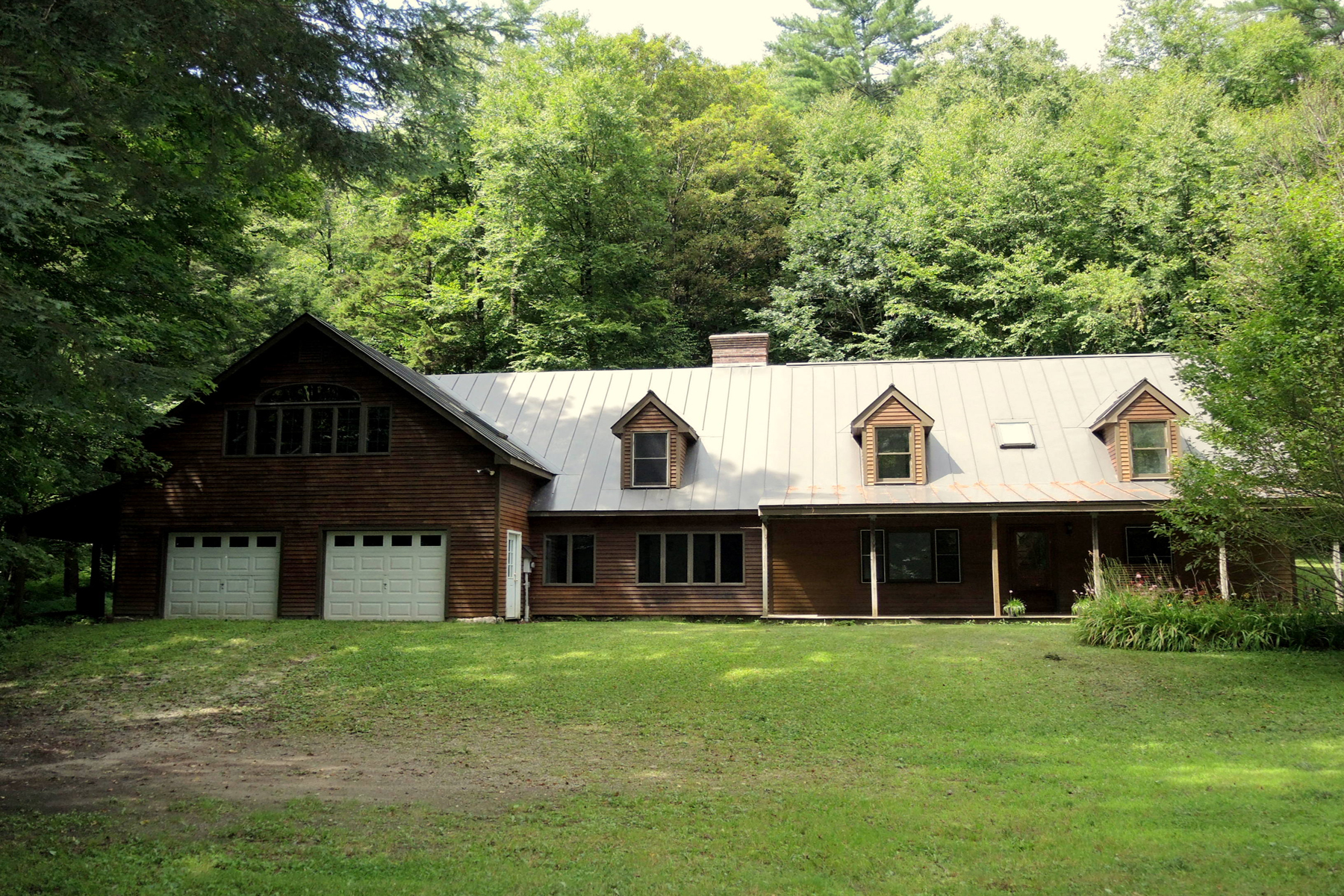 Single Family Homes for Sale at Tranquil Retreat on Furnace Brook 31 River Rd Chittenden, Vermont 05737 United States