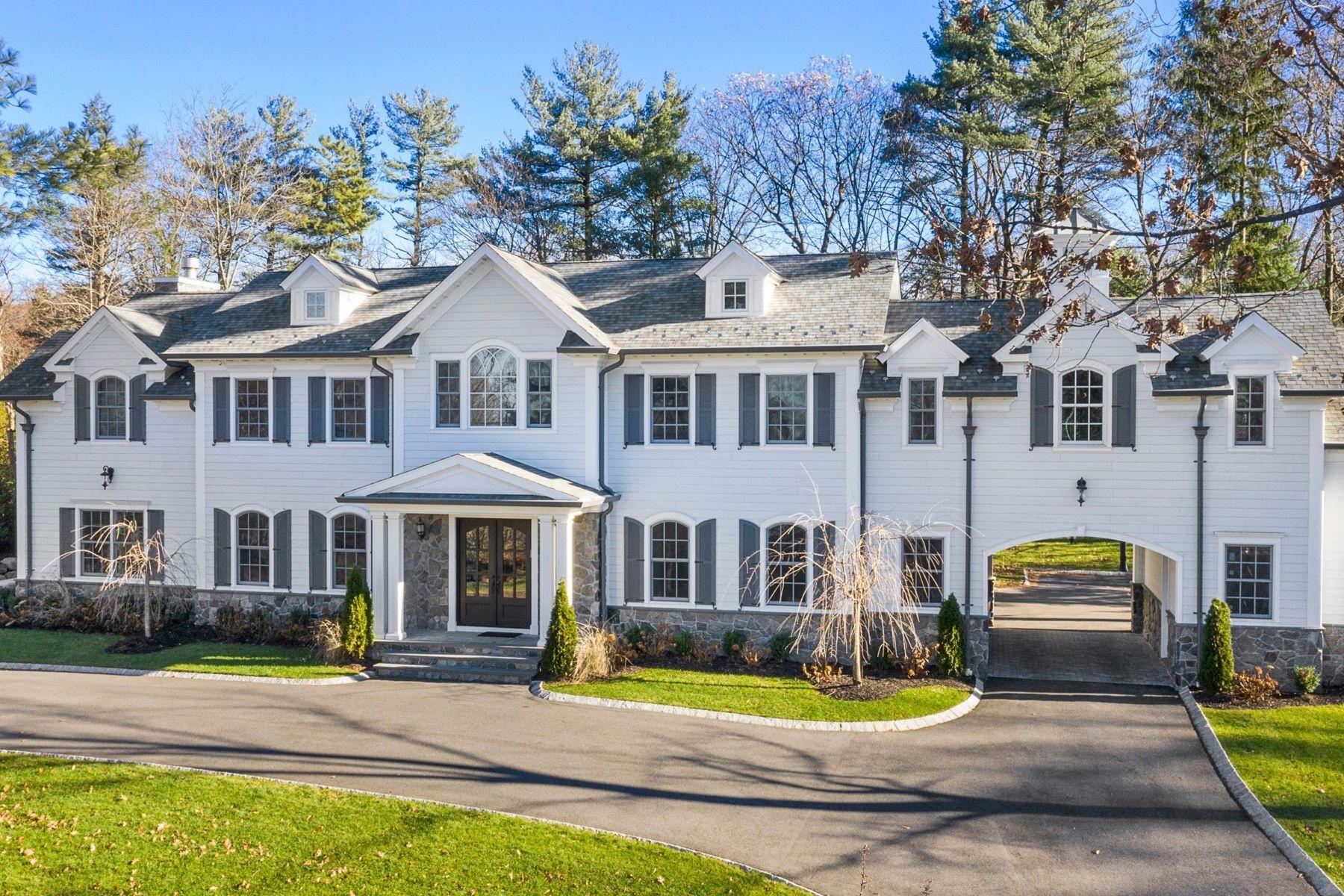 Villa per Vendita alle ore True Showstopper 27 Ridge Rd, Tenafly, New Jersey 07670 Stati Uniti