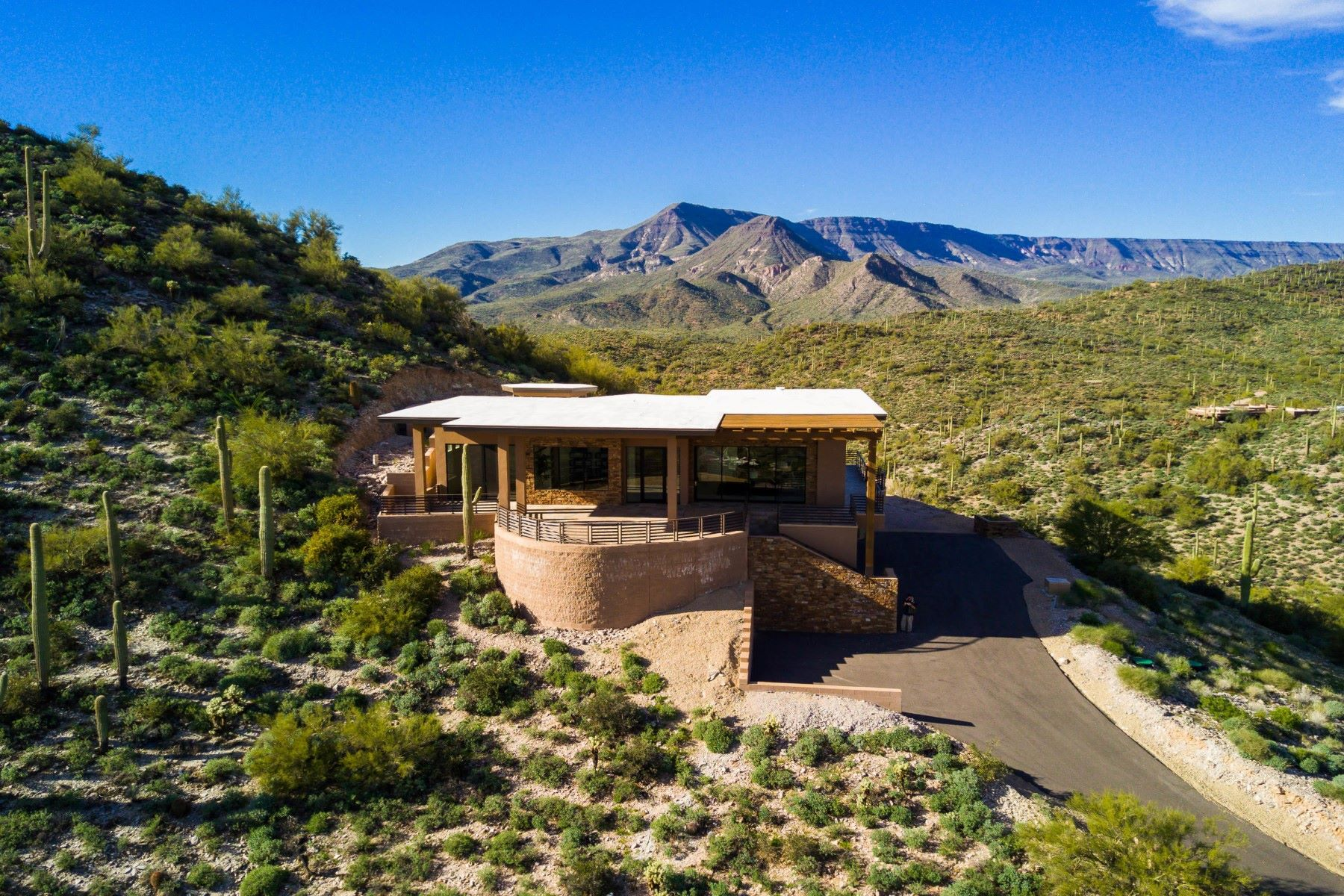 Single Family Home for Sale at Stunning Mountaintop Estate 43716 N 65th St, Cave Creek, Arizona, 85331 United States