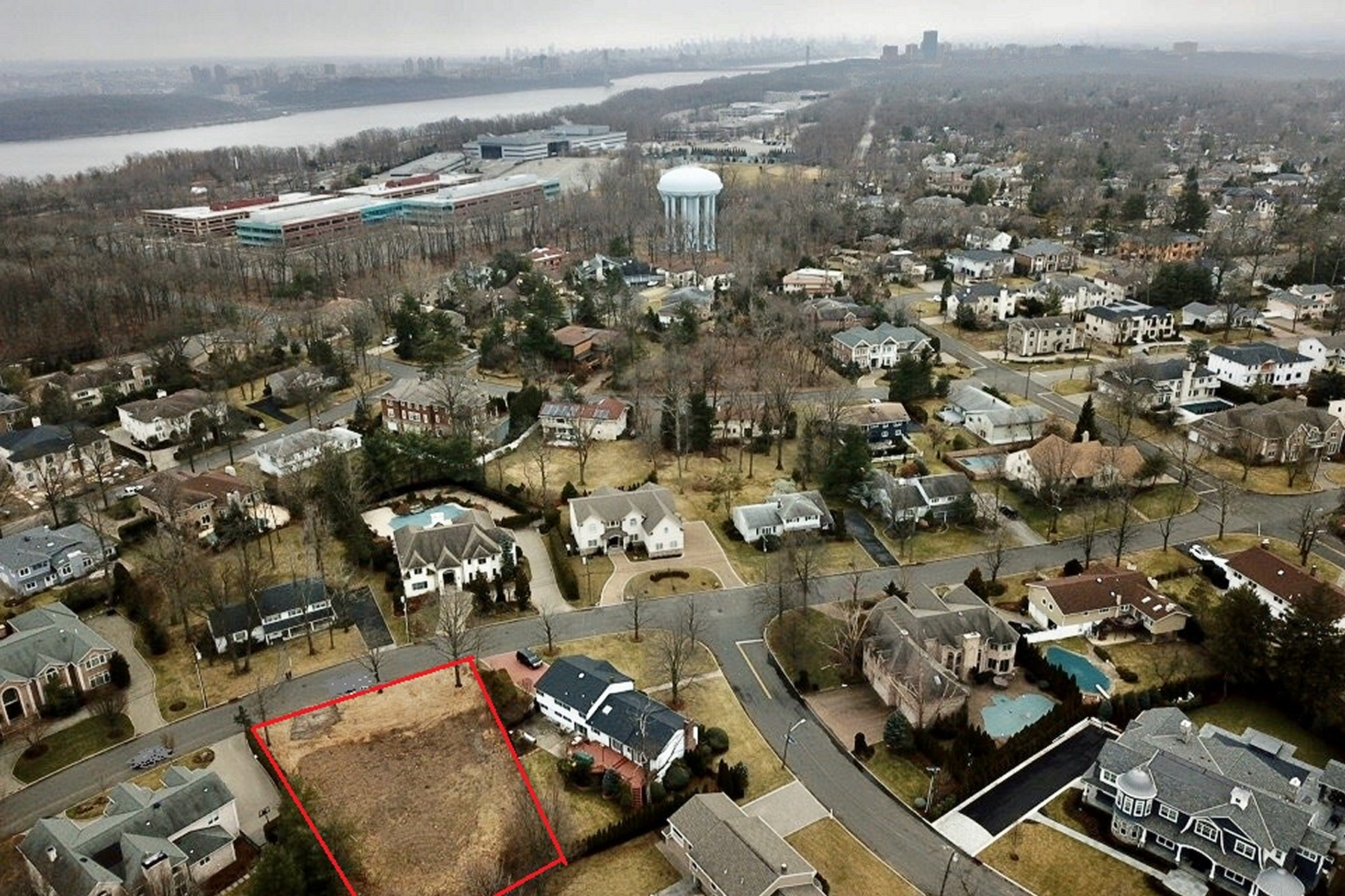 Land for Sale at Oversized Level Lot 44 Carol Dr, Englewood Cliffs, New Jersey 07632 United States