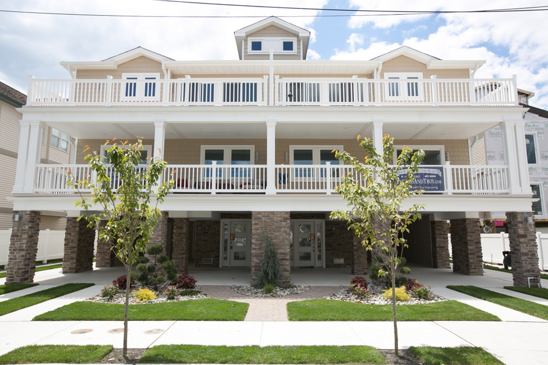 Multi-Family Home for Sale at 114-116 N. Jefferson D 114-116 N. Jefferson UNIT D, Margate, New Jersey, 08402 United States