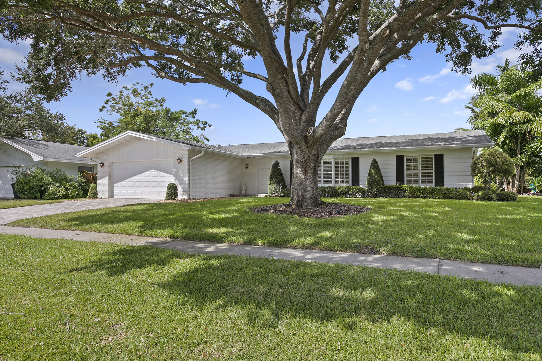 Single Family Homes for Sale at 1306 Alameda Ave Clearwater, Florida 33759 United States