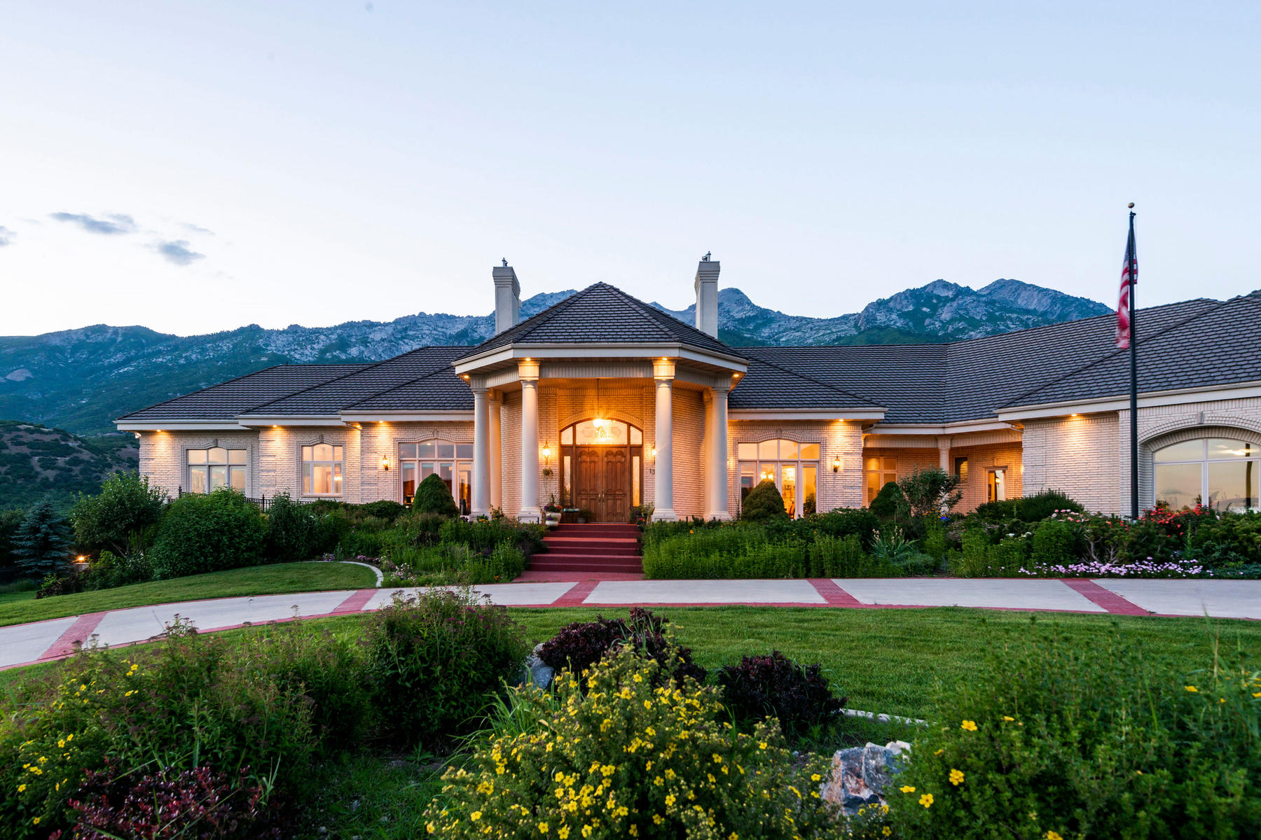 Single Family Homes for Active at One of a Kind Enclave Away From the Urban Hustle 1389 E Box Elder Dr Alpine, Utah 84004 United States