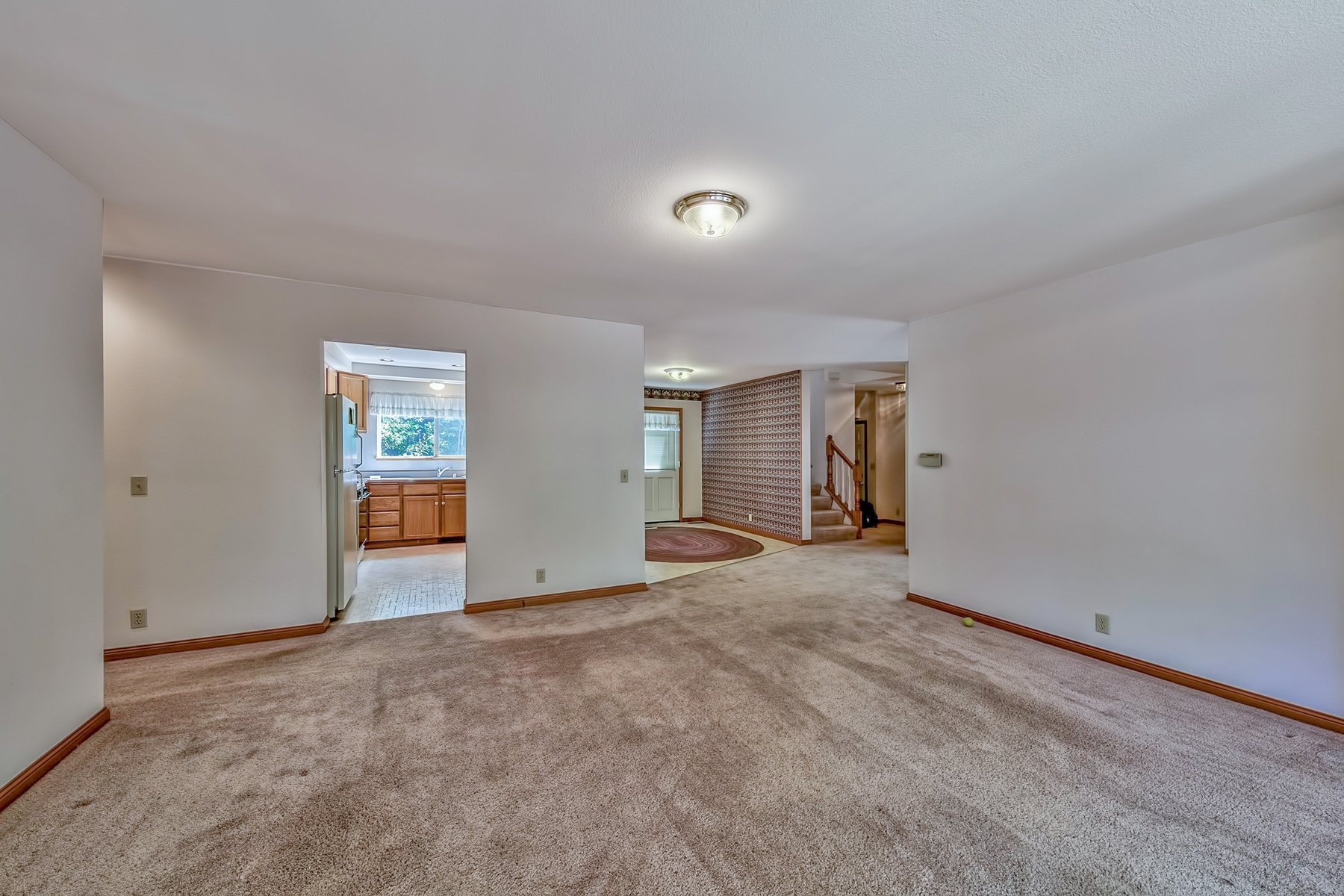 Additional photo for property listing at 2226 Lupine Trail, South Lake Tahoe CA, 96150 2226 Lupine Trail South Lake Tahoe, California 96150 United States