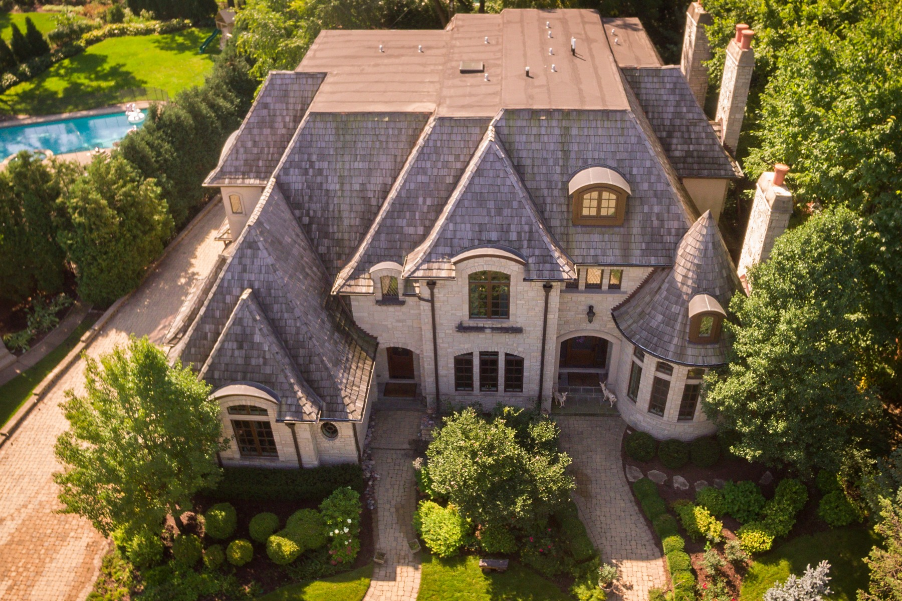 Single Family Home for Sale at Iconic Estate 732 Bittersweet Lane Hinsdale, Illinois 60521 United States