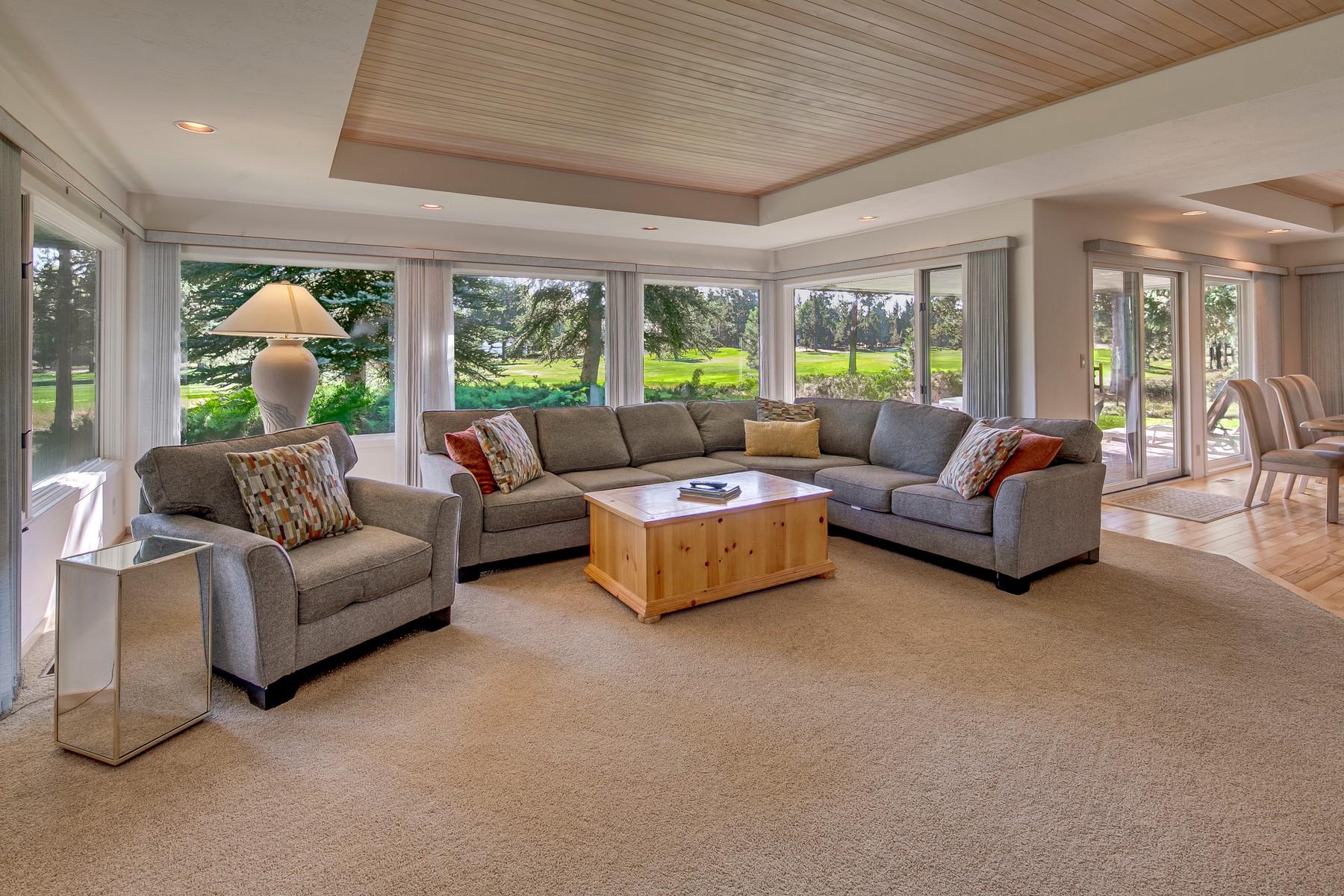 Single Family Homes pour l Vente à 58068 Winners Circle Sunriver, OR Sunriver, Oregon 97707 États-Unis